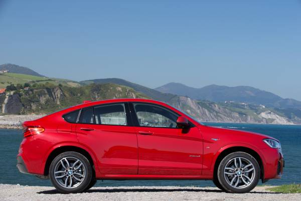 P90151352-the-new-bmw-x5-xdrive35i-m-sport-package-05-2014-600px