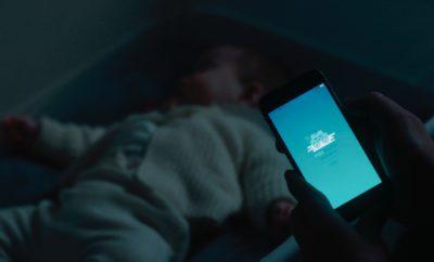 Έξυπνη Κούνια από τη Ford Προσομοιώνει Βόλτες με Αυτοκίνητο για να Κοιμούνται πιο Εύκολα τα Μωρά
