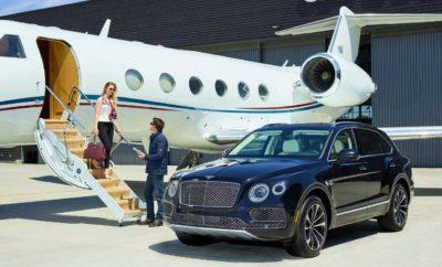 Bentley on demand: ΜΙΑ ΝΕΑ ΠΡΑΓΜΑΤΙΚΗ ΕΜΠΕΙΡΙΑ CONCIERGE- STYLE» • Νέα υπηρεσία εξυπηρέτησης αποκλειστικά για τους ιδιοκτήτες Bentley, μέσω της εφαρμογής Bentley Network • Δυνατότητα επιλογής αυτοκινήτου με παράδοση όταν το ζητήσουν • www.BentleyMotors.com/OnDemand Η Bentley ανακοινώνει σήμερα μια μοναδική υπηρεσία πολυτελείας που συνδέεται με την κινητικότητα, σχεδιασμένη να παρέχει στους πελάτες της άμεση λύση της μετακίνησής τους, όπου κι αν βρίσκονται. Ως το επόμενο βήμα στη στρατηγική της εταιρείας, η Bentley προσφέρει στους πελάτες τη δυνατότητα να αποφύγουν την ταλαιπωρία και την γραφειοκρατία των παραδοσιακών υπηρεσιών ενοικίασης αυτοκινήτων. Η ανακοίνωση αυτή έρχεται μόλις έξι μήνες μετά την επιτυχημένη δοκιμή της εταιρείας με την Filld, μια υπηρεσία παράδοσης καυσίμων που βασίζεται σε εφαρμογές κινητής τηλεφωνίας, η οποία παρέχει στους ιδιοκτήτες τεράστια εξοικονόμηση χρόνου που δεν χρειάζεται ποτέ να αναζητήσουν ή να σταματήσουν σε σταθμό καυσίμων ξανά. Η εφαρμογή Bentley on demand έχει δημιουργηθεί για να καλύψει τις προσδοκίες των ιδιοκτητών που επιθυμούν να οδηγήσουν μια Bentley ενώ ταξιδεύουν ή ένα ξεχωριστό μοντέλο της μάρκας για ειδικές περιστάσεις. Είτε πρόκειται για ένα Bentayga SUV για οικογενειακές περιπέτειες, είτε για μια πολυτελή Mulsanne Speed, η Bentley προσφέρει το αυτοκίνητο που θα καλύψει τις ανάγκες του πελάτη, μέσω μιας υπηρεσίας (door-to-door)) με την υψηλότερη ποιότητα. Η Bentley on demand είναι τώρα διαθέσιμη στους υπάρχοντες ιδιοκτήτες της Bentley ως μια υπηρεσία εξυπηρέτησης μέσω της εφαρμογής Bentley Network. Τα μέλη απλώς κατεβάζουν την εφαρμογή, επικυρώνουν το λογαριασμό τους και επιλέγουν ένα μοντέλο της μάρκας από τον πολύ μεγάλο διαθέσιμο πολυτελές στόλο. Μετά από μια επιβεβαίωση, μια ευγενική υπενθύμιση της κράτησης θα σταλεί μία ώρα πριν από την παράδοση και το μέλος θα λάβει ένα άλλο μήνυμα μέσω του οποίου θα ενημερώνεται για την άφιξη του αυτοκινήτου. Η υπηρεσία έχει σχεδιαστεί για να διασφαλίζει την απρόσκοπτη παράδοση 
