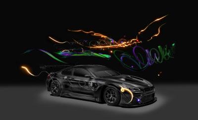 Το μέλλον είναι εδώ: Μετά τα έργα των Jeff Koons και John Baldessari, η Cao Fei (γεννημένη το 1978) είναι η νεαρότερη και η πρώτη Κινέζα δημιουργός ενός BMW Art Car. Επιστρατεύοντας τεχνολογίες επαυξημένης (AR) και εικονικής πραγματικότητας (VR), η διεθνούς φήμης 'multimedia artist' οραματίζεται το μέλλον της μετακίνησης με συστατικά στοιχεία όπως αυτόνομη οδήγηση, εναέρια αυτοκίνητα και ψηφιοποίηση. Παρουσία του Dr Ian Robertson, Μέλους Δ.Σ. της BMW AG, και εκατοντάδων προσκεκλημένων, η αποκάλυψη του BMW Art Car #18 γιορτάστηκε στο Minsheng Art Museum στο Πεκίνο, στις 31 Μαΐου. Dr Ian Robertson, Μέλος Δ.Σ. της BMW AG: «Ενθουσιαστήκαμε με την πρόταση της ανεξάρτητης επιτροπής διευθυντών διεθνών μουσείων για τη δημιουργό Cao Fei. Το '18' θεωρείται τυχερός αριθμός στην Κίνα και το όχημά της είναι το επίσημο 18ο 'γλυπτό σε τροχούς' της Συλλογής. Για το project της, η Cao Fei επέλεξε μία πρωτοφανή, βιωματική προσέγγιση, που συνδέει το κοινό με το έργο τέχνης μέσα από προηγμένη τεχνολογία. Πρόκειται για ένα αληθινό BMW Art Car για τον 21ο αιώνα!» Η Cao Fei σχολίασε για το BMW Art Car της: «Για μένα, το φως αντιπροσωπεύει σκέψεις, καθώς η ταχύτητα των σκέψεων δεν μπορεί να μετρηθεί, το #18 Art Car αμφισβητεί την ύπαρξη ορίων του ανθρώπινου μυαλού. Μπαίνουμε σε μία νέα εποχή, όπου το μυαλό ελέγχει άμεσα αντικείμενα και όπου οι σκέψεις μπορούν να μεταφέρονται, όπως οι αυτόνομες λειτουργίες και η τεχνητή νοημοσύνη. Ποια μυαλά και ποιες φιλοσοφίες είναι αυτά που θα μας μυήσουν στη νέα εποχή;» Το BMW Art Car #18 της Cao Fei Το έργο της Cao Fei αντανακλά την ταχύτητα αλλαγής στην Κίνα, την παράδοση και το μέλλον. Με το BMW Art Car project, ανατρέχει σε μία ιστορία χιλιάδων χρόνων, αποτίνοντας φόρο τιμής στην αρχαία πνευματική σοφία της Ασίας καθώς εισέρχεται ταχύτατα στην τρίτη χιλιετία. Η δημιουργός προσέγγισε το BMW Art Car με τρόπο χαρακτηριστικό για την καλλιτεχνική πρακτική της, χτίζοντας ένα παράλληλο σύμπαν. Τα βασικά χαρακτηριστικά είναι τρία: ένα βίντεο που παρακολουθε