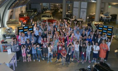 Μια μέρα στο Ελληνικό Μουσείο Αυτοκινήτου οργάνωσαν οι εργαζόμενοι της Pirelli για τα παιδιά των Παιδικών Χωριών SOS Βάρης και του Κέντρου Στήριξης Παιδιού και Οικογένειας Αθήνας. Μια ξεχωριστή μέρα χαράς, προσφοράς με συναρπαστικές δράσεις και πολλή …Formula 1! Ανταποκρινόμενη στην επιθυμία των παιδιών να γνωρίσουν από κοντά την ιστορία του αυτοκινήτου, σύσσωμη η ομάδα εργαζομένων της Pirelli, αποκλειστικού προμηθευτή των ελαστικών της Formula 1, υποδέχθηκε τα παιδιά στο Ελληνικό Μουσείο Αυτοκινήτου για μια μέρα αφιερωμένη στην ιστορία και την τεχνολογία των 4 τροχών. Φορώντας τα αυθεντικά καπέλα των οδηγών της F1 με το όνομά τους, τα παιδιά περιηγήθηκαν στους χώρους του μουσείου, εξερεύνησαν και ανακάλυψαν μαζί με τους εθελοντές την εξέλιξη των αυτοκινήτων μέσα από ένα μοναδικό ταξίδι θησαυρού ανάμεσα σε περισσότερα από 110 εκθέματα, ενώ οι πιο τολμηροί οδήγησαν τον προσομοιωτή F1 νιώθοντας την ένταση και τη μοναδική εμπειρία της αγωνιστικής οδήγησης. O κ. Γιώργος Τόκας, Γενικός Διευθυντής της Pirelli δήλωσε: «Με βασική μας φιλοσοφία την ουσιαστική συμβολή στο κοινωνικό σύνολο, οι άνθρωποι της Pirelli είμαστε σταθερά δίπλα στις ανάγκες των Παιδικών Χωριών SOS. Στηρίζουμε έμπρακτα την προσπάθεια του Οργανισμού τόσο με την προσφορά ελαστικών για την ανανέωση των οχημάτων των Παιδικών Χωριών, όσο και με την προσωπική μας επαφή με τα παιδιά». Ο κ. Γιώργος Πρωτόπαπας, Γενικός Διευθυντής των Παιδικών Χωριών SOS δήλωσε: «Είναι σημαντικό για όλους εμάς στα Παιδικά Χωριά SOS, όταν εταιρείες όπως η Pirelli αγκαλιάζουν το έργο μας και τα παιδιά μας και μας δίνουν τη δυνατότητα να παρέχουμε ουσιαστική βοήθεια σε οικογένειες και παιδιά που βρίσκονται σε ανάγκη. Η Pirelli είναι γνωστή για την ασφάλεια που προσφέρει μέσα από τα προϊόντα της και αισθανόμαστε ιδιαίτερα τυχεροί που αυτή την αίσθηση της ασφάλειας θέλει να την μεταφέρει και προς το έργο μας».