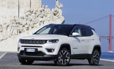 Jeep® Compass: το νέο compact SUV με αξεπέραστες ικανότητες 4Χ4, απαράμιλλη συμπεριφορά στο δρόμο και αυθεντικό Jeep σχεδιασμό • Το Jeep® Compass συνδυάζει φιλική προς το χρήστη τεχνολογία και μία πληθώρα δυναμικών συστημάτων ασφαλείας καινοτόμο design με την θρυλική εκτός δρόμου ικανότητα των Jeep. • To Jeep Compass θα φτάσει στις αγορές τον Ιούλιο Το ολοκαίνουργιο Jeep® Compass προσφέρει έναν απαράμιλλο συνδυασμό ικανοτήτων. Η θρυλική και καλύτερη στην κατηγορία του ικανότητα 4Χ4, ο αυθεντικός αλλά και σύγχρονος σχεδιασμός της Jeep, η εξαιρετική συμπεριφορά εντός δρόμου και η αίσθηση ελευθερίας που προσφέρει στους επιβαίνοντες, συνδυάζονται με μία πληθώρα συστημάτων για την ασφάλεια και την διασκέδαση σε αρμονική συνεργασία. Το νέο μοντέλο, αντιπροσωπεύει μία προσθήκη-κλειδί στην γκάμα της Jeep και επιτρέπει στη μάρκα να ενδυναμώσει τη θέση της στην κατηγορία των Compact SUV, μία κατηγορία που είναι ιδιαίτερα σημαντική και αναμένεται να αυξηθεί κατά 20% παγκοσμίως μέχρι το 2020, φτάνοντας τις 7.5 εκατομμύρια μονάδες. Για την Ευρωπαϊκή αγορά, η κατηγορία των Compact SUV, που σήμερα αριθμεί 1.6 εκατ. μονάδες, αναμένεται να φτάσει τις 2 εκατ. μονάδες μέχρι το 2020. Για να μπορέσει να ικανοποιήσει όλες τις διαφορετικές ανάγκες των πελατών, το νέο Jeep Compass θα πωλείται με δύο πετρελαιοκινητήρες και ένα βενζινοκινητήρα προκειμένου να προσφέρει 8 διαφορετικούς συνδυασμούς κινητήρων και μετάδοσης σε 4 εκδόσεις: Sport, Longitude, Limited και την Trailhawk που αποτελεί την ικανότερη πρόταση εκτός δρόμου. Με την παρουσίαση του ολοκαίνουργιου Compass, η Jeep ολοκληρώνει την προϊοντική της επέκταση στην Ευρώπη, προσφέροντας λύσεις σε κάθε ένα κομμάτι της κατηγορίας SUV. Το νέο μοντέλο αποτελεί μία συναρπαστική πρόταση για τους Ευρωπαίους πελάτες, συνδυάζοντας τις θρυλικές ικανότητες εκτός δρόμου κίνησης με ένα όχημα που παράλληλα προσφέρει ασφαλή, διασκεδαστική και άνετη καθημερινή εμπειρία μετακίνησης. Το Jeep Compass θα είναι διαθέσιμο στις εκθέσεις Jeep των μεγαλύτερων ε