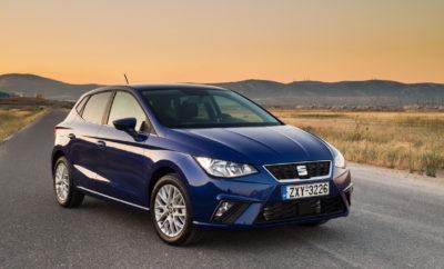 Το νέο SEAT ΙΒΙΖΑ. Start moving. /Το καλύτερο Ibiza στην ιστορία της μάρκας χάρη στη σχεδίαση, την ποιότητα, τον εξοπλισμό, τη συνδεσιμότητα, την ασφάλεια και τα δυναμικά χαρακτηριστικά του /Το ντεμπούτο της πλατφόρμας MQB A0 και τεχνολογία που δεν έχει χρησιμοποιηθεί ξανά στην κατηγορία /Mε βενζινοκινητήρες και πετρελαιοκινητήρες με ισχύ από 75 έως 150 ίππους, καθώς και έκδοση CNG /Οι τιμές ξεκινούν από €11.700, ενώ οι πρώτες παραδόσεις στην χώρα μας ξεκινούν μέσα στον Ιούνιο /Ειδικά Launch Editions με extra εξοπλισμό σε προνομιακή τιμή Ποιο ήταν το πρώτο σου Ibiza; Για περισσότερο από τρεις δεκαετίες, εκατομμύρια οδηγοί στον κόσμο ήταν κάτοχοι ενός Ibiza. Ίσως ήταν το πρώτο τους αυτοκίνητο με το οποίο έκαναν το πρώτο τους ταξίδι. Ίσως ακόμα και σήμερα είναι το οικογενειακό τους αυτοκίνητο. Μετά από τέσσερις γενιές και περισσότερες από 5,4 εκατομμύρια πωλήσεις, το νέο SEAT Ibiza έρχεται εξοπλισμένο με τα τελευταία τεχνολογικά χαρακτηριστικά, εξαιρετική δυναμική, εντυπωσιακή βελτίωση στο εσωτερικό και κορυφαία άνεση. Το πιο εμβληματικό μοντέλο της ισπανικής μάρκας είναι ένα εντελώς καινούργιο αυτοκίνητο αλλά με το ίδιο νεανικό, λειτουργικό, άνετο και σπορ στυλ, όπως πάντα. Η φρέσκια σχεδίαση του αντικατοπτρίζει το DNA της SEAT με πιο σπορ χαρακτηριστικά σε αυτή την εκτέλεση χάρη στις έντονα ανάγλυφες επιφάνειες του. Οι πωλήσεις στην χώρα μας για την 5η γενιά SEAT Ibiza, το οποίο έκανε την πρώτη του εμφάνιση στο Σαλόνι Αυτοκινήτου της Γενεύης, θα ξεκινήσουν μέσα στον Ιούνιο. «Η SEAT βρίσκεται σε φάση εδραίωσης και ανάπτυξης και εργαζόμαστε για να γίνει μία από τις πιο δυναμικές εταιρείες στον κλάδο», δήλωσε ο Πρόεδρος της SEAT, Luca de Meo. Το 2016 η εταιρεία πέτυχε τα καλύτερα οικονομικά αποτελέσματα στην ιστορία της, με λειτουργικά κέρδη 143 εκατομμύρια ευρώ και κέρδη μετά φόρων και πριν από έκτακτα αποτελέσματα +232 εκατομμύρια ευρώ. «Το νέο SEAT Ibiza θα προκαλέσει ένα μεγάλο άλμα προς τα εμπρός για τη μάρκα και θα αποτελέσει σημείο αναφοράς στην κατηγορία του». 