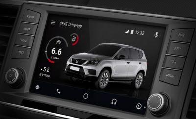 H SEAT είναι η πρώτη αυτοκινητοβιομηχανία στην Ευρώπη που διαθέτει εφαρμογή Android Auto στο Play Store / Η εφαρμογή SEAT DriveApp καθιστά τη συνδεσιμότητα και την οδηγική εμπειρία πιο εύκολη / Επιτρέπει τη προβολή και τη διαχείριση του περιεχομένου της συσκευής Android™ του οδηγού μέσα από το αυτοκίνητο / Η SEAT συνεχίζει να ενισχύει τη δημιουργικότητα στο τομέα του οικοσυστήματος κινητικότητας οχημάτων Η SEAT έκανε ένα ακόμη βήμα στη συνδεσιμότητα των αυτοκινήτων, αφού έγινε η πρώτη μάρκα στην ευρωπαϊκή αυτοκινητοβιομηχανία που διαθέτει εφαρμογή συμβατή με Android Auto™. H Android εφαρμογή SEAT DriveApp είναι πλέον διαθέσιμη στο Google Play™ Store και επιτρέπει στους οδηγούς να βλέπουν και να διαχειρίζονται τα περιεχόμενα της εφαρμογής που είναι εγκατεστημένα σε συσκευή Android™ στην οθόνη του αυτοκινήτου. Η εφαρμογή είναι ήδη διαθέσιμη στην Ισπανία και τις επόμενες εβδομάδες θα φτάσει και στις υπόλοιπες αγορές. Με το SEAT DriveApp για Apple CarPlay και το SEAT DriveApp για MirrorLink, τα οποία είναι ήδη διαθέσιμα στο App Store και Google Play™ Store, οι οδηγοί έχουν πρόσβαση στα δεδομένα κατάστασης του οχήματος τους, μέσα στο αυτοκίνητο και από απόσταση, προκειμένου να διευκολύνουν την οδηγική τους εμπειρία. Οι ενδείξεις παρουσιάζουν τη κατάσταση του οχήματος, όπως την πίεση των ελαστικών ή την κατανάλωση καυσίμου. Το App θα ενημερωθεί τις επόμενες εβδομάδες με ακόμη περισσότερα χαρακτηριστικά και υπηρεσίες. Το SEAT DriveApp αναπτύχθηκε εξ ολοκλήρου στο Τεχνικό Κέντρο της SEAT, το οποίο αποτελεί τη τεχνολογική κινητήρια δύναμη της εταιρείας που συμβάλλει στην ενίσχυση της συνδεσιμότητας της SEAT. Η μάρκα έχει ως στόχο να δημιουργήσει ένα οικοσύστημα κινητικότητας οχημάτων με εύκολες και εύχρηστες υπηρεσίες για τους οδηγούς. Η SEAT προσφέρει ήδη τεχνολογία FullLink που είναι συμβατή με συσκευές iOS και Android™ σε όλη τη γκάμα μοντέλων. Η συνδεσιμότητα των μοντέλων SEAT είναι εξαιρετικά επωφελής για τους οδηγούς, καθώς τους επιτρέπει να γνωρίζουν τη κατάσταση του 