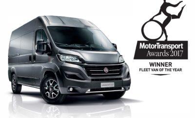 """Στο Ducato το βραβείο """"Fleet Van of the Year 2017"""" στη Μεγάλη Βρετανία Στο Fiat Ducato απονεμήθηκε το βραβείο """"Fleet Van of the Year"""" στην παρουσίαση των κορυφαίων βραβείων """"Motor Transport Awards 2017"""" στο Λονδίνο. Το βραβείο επιβεβαιώνει τη δημοτικότητα και την επιτυχία του best seller της Fiat Professional, της ιταλικής μάρκας που συμπληρώνει έναν αιώνα παρουσία στην αγορά επαγγελματικών οχημάτων και διαθέτει μια πλήρη γκάμα μοντέλων και ένα συνεχώς αναπτυσσόμενο δίκτυο διανομέων. Με κύρια προτεραιότητα τους εταιρικούς στόλους, η Fiat Professional παρέχει εκτός από μια πλήρη γκάμα προτάσεων και ένα ευρύ φάσμα λύσεων και υπηρεσιών που έχουν αναπτυχθεί για να ικανοποιήσουν τις διαφορετικές ανάγκες των επαγγελματιών πελατών. Η επιτροπή των βραβείων Motor Transport, η οποία αποτελείται από 50 ειδικούς με επικεφαλής την ομάδα του γνωστού βρετανικού περιοδικού Motor Transport, κατά τη διάρκεια της αξιολόγησης υπογράμμισε τα ιδιαίτερα προτερήματα του Ducato, όπως το εξαιρετικό πλαίσιο, την εξαιρετική χωρητικότητα, την ευελιξία και την ανθεκτικότητα. Το βραβευμένο όχημα είναι ο στυλοβάτης της ολοκληρωμένης γκάμας της Fiat Professional, της πρώτης μάρκας που είναι """"γεννημένη για επαγγελματίες"""". Τα μέλη της επιτροπής που απένειμαν το βραβείο στο Ducato περιέγραψαν τη Fiat Professional ως """"έναν από τους πιο ευέλικτους κατασκευαστές."""" Επιπλέον προσέθεσαν """"το Ducato διαθέτει νέο συμπλέκτη, βελτιωμένα φρένα, ανθεκτικότερες χειρολαβές και ενισχυμένα τμήματα αμαξώματος, ενώ τα προγραμματισμένα σέρβις του ορίζονται κάθε 50.000 χιλιόμετρα. Όλες αυτές οι αλλαγές συντελούν στην αύξηση του κύκλου ζωής του μοντέλου και στην προσέλκυση νέων πελατών."""" Το υψηλού κύρους βραβείο """"Fleet Van of the Year"""" αποτελεί μια ακόμα επιβεβαίωση για τις ικανότητες του Ducato που περικλείονται σε πολλούς τύπους αμαξώματος, το τετραγωνισμένο, κανονικό σχήμα του χώρου φόρτωσης, το ευέλικτο σασί και το οδηγικό στιλ που θυμίζει επιβατικό αυτοκίνητο."""