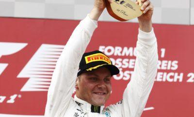 """O οδηγός της Mercedes, Valtteri Bottas κέρδισε για δεύτερη φορά στη σεζόν στο Red Bull Ring ακολουθώντας στρατηγική μιας αλλαγής ελαστικών. Εκκίνησε από την pole με την πάρα πολύ μαλακή γόμα (ultrasoft) και μετέπειτα άλλαξε τοποθετώντας την πολύ μαλακή γόμα (supersoft). Είδαμε ποικιλία στρατηγικών μιας αλλαγής καθώς στην εκκίνηση υπήρχαν και οι τρεις διαθέσιμες γόμες (μαλακή, πολύ μαλακή, πάρα πολύ μαλακή). Ειδικότερα ο οδηγός της Mercedes, Lewis Hamilton εκκινούσε από την 8η θέση καθώς είχε ποινή 5 θέσεων (αλλαγή κιβωτίου). Ξεκίνησε με την πολύ μαλακή γόμα και άλλαξε σε πάρα πολύ μαλακή, κερδίζοντας 4 θέσεις στο φινάλε. Οι Felipe Massa με Williams και Jolyon Palmer με Renault υιοθέτησαν εναλλακτική στρατηγική εκκινώντας με τη μαλακή γόμα και βάζοντας μετά την πάρα πολύ μαλακή. Έτσι κέρδισαν κάποιες θέσεις. Στην Αυστρία όπου ο γύρος είναι μικρός σε απόσταση, με λίγες στροφές είδαμε τις υψηλότερες μέσες ωριαίες ταχύτητες μέχρι τώρα στη σεζόν. Η βροχή που αναμένονταν δεν ήρθε. Αυτός ήταν ένας από τους λόγους που οδήγησαν σε ορατή παραμόρφωση λόγω τοπικής υπερθέρμανσης σε κάποια σημεία του αγώνα. Παραταύτα αυτό δεν επηρέασε την απόδοση των ελαστικών όπως φάνηκε στους χρόνους γύρων. MARIO ISOLA - ΕΠΙΚΕΦΑΛΗΣ ΑΓΩΝΩΝ ΑΥΤΟΚΙΝΗΤΟΥ """"Είχαμε πολύ υψηλή μέση ταχύτητα και καθόλου βροχή. Είδαμε παραμόρφωση λόγω τοπικής υπερθέρμανσης όμως αυτό δεν επηρέασε την απόδοση των ελαστικών, οι ταχύτεροι γύροι σημειώθηκαν στο τέλος του αγώνα. Μολονότι η μια αλλαγή ελαστικών ήταν η στάνταρ επιλογή είδαμε πολλές διαφορετικές εφαρμογές αυτής της στρατηγικής. Μερικοί οδηγοί δοκίμασαν κάτι διαφορετικό στην προσπάθεια να κερδίσουν θέσεις. Συνολικά οι επιλογές στρατηγικής ήταν λίγο επιθετικές είδαμε μεγάλες αποστάσεις ακόμη και με την πάρα πολύ μαλακή γόμα. Αυτό δεικνύει την εμπιστοσύνη που έχουν οι ομάδες τόσο στην ταχύτητα όσο και στην διάρκεια της γκάμας ελαστικών μας"""". ΚΑΛΥΤΕΡΟΣ ΧΡΟΝΟΣ ΑΝΑ ΓΟΜΑ Hulkenberg 1m 09.043s Ricciardo 1m07.442s Hamilton 1m 07.411s Massa 1m09.394s Raikkonen 1m07.486s Kv"""