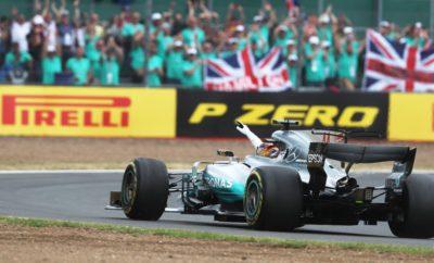 """O οδηγός της Mercedes Lewis Hamilton κυριάρχησε με την απόδοσή του στο Βρετανικό Grand Prix ισοφαρίζοντας το απόλυτο ρεκόρ νικών στο συγκεκριμένο αγώνα. Ο Hamilton κέρδισε εκκινώντας από την pole με την πολύ μαλακή γόμα. Δεν έχασε το προβάδισμα ούτε όταν άλλαξε ελαστικά βάζοντας τη μαλακή γόμα. Οι περισσότεροι οδηγοί ακολούθησαν παρόμοια τακτική μιας αλλαγής ελαστικών πηγαίνοντας από την πολύ μαλακή γόμα στη μαλακή γόμα. Ο άλλος οδηγός της Mercedes, Valtteri Bottas αποτέλεσε εξαίρεση ακολουθώντας την αντίθετη στρατηγική. Εκκίνησε με τη μαλακή γόμα, κέρδισε θέσεις στην κατάταξη ενόσω οι προπορευόμενοι άλλαζαν ελαστικά και έβαλε προς το φινάλε την ταχύτερη πολύ μαλακή γόμα κερδίζοντας έτσι ακόμη περισσότερες θέσεις στην πίστα. Προς το τέλος του αγώνα οι Ferrari είχαν δυο θέματα στο εμπρός αριστερό ελαστικό τόσο του Sebastian Vettel όσο και του Kimi Raikkonen. Αυτό οδήγησε σ' ένα απογραμμάτιστο πιτ στοπ το Raikkonen, που παραταύτα ανέβηκε στο βάθρο. Ο Vettel μετά το έκτακτο πιτ στοπ τερμάτισε τον αγώνα κινούμενος αργά. Εξετάζουμε σε συνεργασία με την ομάδα αυτά τα δυο συμβάντα. Το Σίλβερστον είναι μια από τις πιο απαιτητικές πίστες της χρονιάς όσον αφορά στα ενεργειακά φορτία που μεταφέρονται διαμέσου των ελαστικών. Στα μονοθέσια ασκούνται πλευρικές δυνάμεις μέχρι 5g. Σίγουρα η πολύ μαλακή γόμα που έκανε ντεμπούτο στο Βρετανικό Grand Prix, ανταποκρίθηκε πολύ καλά σ' αυτές τις προκλήσεις. Για παράδειγμα ο Daniel Ricciardo της Red Bull εκκίνησε 19ος μετά από ποινή που είχε αλλά συμπλήρωσε πολλούς γύρους με την πολύ μαλακή γόμα στην αρχή, προτού τερματίσει τελικά 5ος. MARIO ISOLA - ΕΠΙΚΕΦΑΛΗΣ ΑΓΩΝΩΝ ΑΥΤΟΚΙΝΗΤΟΥ """"Το Βρετανικό Grand Prix επιφύλασσε ένα κεντρί στην ουρά για τους δυο οδηγούς της Ferrari. Ο Sebastian Vettel και ο Kimi Raikkonen δυστυχώς είχαν αστοχία ελαστικού λίγο πριν τερματίσουν τη σκληρή προσπάθεια. Ήταν πραγματικά ατυχία και φυσικά διερευνούμε σε συνεργασία με την ομάδα το τι ακριβώς συνέβη. Ο αγώνας είχε φέτος απίστευτο ρυθμό σημειώστε πως ο ταχύτερος γύ"""