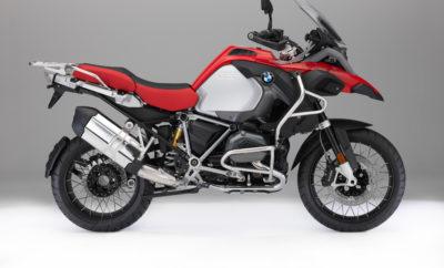 Μία σειρά από αισθητικές παρεμβάσεις περιλαμβάνεται στο πρόγραμμα της BMW Motorrad για το 2018. Από τον Αύγουστο του 2017 τα μοντέλα μοτοσικλετών θα μπορούν να παραγγελθούν στη νέα τους μορφή από τους Εμπόρους της BMW Motorrad. BMW Motorrad Spezial. Εργοστασιακό customising της μοτοσικλέτας σας. Η BMW Motorrad διευρύνει τώρα την γκάμα custom μοντέλων της με το πρόγραμμα BMW Motorrad Spezial, προσφέροντας από το εργοστάσιο ξεχωριστά σχέδια, μετατροπές βελτίωσης των επιδόσεων και μοναδικές προτάσεις customising. Εξαρχής, η νέα προσφορά περιλαμβάνει ειδικές βαφές για επιλεγμένα μοντέλα, εξαρτήματα υψηλής ποιότητας και σφυρήλατες ζάντες. BMW Motorrad Connectivity – ταχύτατη και ασφαλής λήψη πληροφοριών με τη μικρότερη δυνατή διάσπαση της προσοχής. Η ταχεία λήψη σαφών πληροφοριών με τη μικρότερη δυνατή διάσπαση της προσοχής του αναβάτη από το δρόμο επιτυγχάνεται με μία προαιρετική, άκρως εργονομική, έγχρωμη οθόνη υψηλής ποιότητας TFT 6,5 ιντσών της BMW Motorrad. Ο αναβάτης μπορεί να ελέγχει λειτουργίες της μοτοσικλέτας και συνδεσιμότητας άμεσα και με ιδιαίτερη άνεση, χάρη στον περιστροφικό διακόπτη τιμονιού (multi controller) της BMW Motorrad και την προηγμένη φιλοσοφία του. BMW R 1200 GS. Κλήση έκτακτης ανάγκης (προαιρετικός εξοπλισμός). Συνδεσιμότητα (προαιρετικός εξοπλισμός). Βοηθητικοί προβολείς LED με νέα σχεδίαση (προαιρετικός εξοπλισμός). BMW R 1200 GS Adventure. Επισκόπηση όλων των νέων χαρακτηριστικών της R 1200 GS Adventure: Η R 1200 GS Adventure του 2018 δεν θα διαθέτει μόνο νέα χρώματα. Στοχεύοντας στην ακόμη μεγαλύτερη ασφάλεια και απόλαυση στην οδήγηση, η γκάμα προαιρετικών στοιχείων εξοπλισμού διευρύνεται και θα περιλαμβάνει Κλήση Έκτακτης Ανάγκης, Συνδεσιμότητα, τα εκτεταμένα προαιρετικά Προγράμματα Οδήγησης Pro, καθώς και ηλεκτρονικά ρυθμιζόμενη ανάρτηση Dynamic ESA νέας γενιάς. Ένα νέο πακέτο για το συνεπιβάτη με την προαιρετική ψηλή σέλα και τη λειτουργία Keyless - νέα στοιχεία του προαιρετικού πακέτου εξοπλισμού Touring, καθώς και το σύστημα Shift Ass