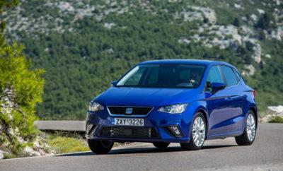 """5 αστέρια στο NCAP για το νέο Ibiza / Το νέο SEAT Ibiza επέδειξε εξαιρετική απόδοση σε κάθε δοκιμή και ξεχώρισε πάνω από όλα στην προστασία των ενήλικων επιβατών / Τα τρία βασικά μοντέλα SEAT, Ibiza, Leon και Ateca έχουν αξιολογηθεί με 5 αστέρια στις δοκιμές ασφάλειας του Euro NCAP / Το Αυτόνομο Σύστημα Πέδησης Έκτακτης Ανάγκης, Front Assist, έχει αποδειχθεί ως ιδιαίτερα αποδοτικό καθώς και τα συστήματα υποβοήθησης οδήγησης και προστασίας επιβατών Για άλλη μια φορά, η SEAT απέδειξε τα εξαιρετικά υψηλά επίπεδα ασφάλειας που προσφέρουν όλα τα μοντέλα της, στις απαιτητικές δοκιμές ασφαλείας του Euro NCAP. Το νέο SEAT Ibiza που κατασκευάστηκε στη Βαρκελώνη, πάνω στη νέα πλατφόρμα MQB A0, απέσπασε την υψηλότερη βαθμολογία και αξιολογήθηκε με 5 αστέρια. Μπορούμε λοιπόν με υπερηφάνεια να δηλώσουμε ότι και οι τρεις πυλώνες της ισπανικής μάρκας Ateca, Leon και Ibiza έχουν πετύχει τα καλύτερα δυνατά αποτελέσματα στις δοκιμές ασφαλείας του ανεξάρτητου οργανισμού Euro NCAP. Η αναγνώριση αυτή έρχεται λίγο μετά την πρώτη εμφάνιση του νέου SEAT Arona, που αποτελεί μία ακόμη προσθήκη στην γκάμα SEAT στα πλαίσια της μεγαλύτερης """"επιθετικής"""" προϊοντικής πολιτικής στην ιστορία της, η οποία περιλαμβάνει το λανσάρισμα των Leon, Ibiza, Ateca και του επερχόμενου 7θέσιου SUV το 2018. Αξίζει να αναφέρουμε ότι εδώ και αρκετούς μήνες όλα τα οχήματα που κυκλοφορούν στην αγορά έχουν υποβληθεί σε μεγαλύτερο αριθμό δοκιμών και πολύ πιο απαιτητικών. Αυτός είναι και ο λόγος που η επίτευξη πέντε αστέρων σε αυτές τις υψηλού κύρους ανεξάρτητες δοκιμές ασφαλείας έχει πολύ μεγαλύτερη αξία. Προκειμένου να δοκιμαστεί η ασφάλεια των επιβαινόντων παιδιών με αξιόπιστο τρόπο, χρησιμοποιούνται ανδρείκελα δοκιμών σύγκρουσης που προσομοιώνουν παιδιά ηλικίας 6 έως 10 ετών. Οι δοκιμές πλευρικής σύγκρουσης είναι επίσης πολύ σημαντικές δοκιμές όπως και η δοκιμή μετωπικής σύγκρουσης σε άκαμπτο εμπόδιο. Η ποσότητα των ανδρείκελων που χρησιμοποιούνται σε αυτές τις δοκιμές έχει αυξηθεί. Επίσης το είδος τη κατασκευής του"""