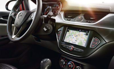 """Νέο σύστημα infotainment Navi 4.0 IntelliLink Ενσωματωμένη δορυφορική πλοήγηση Opel OnStar με Destination Download Άριστες συνδέσεις: συμβατό με Apple CarPlay και Android Auto Ένα νέο σύστημα infotainment με την ονομασία Navi 4.0 IntelliLink είναι άμεσα διαθέσιμο για τους μικρούς πρωταθλητές της Opel, ADAM και Corsa. Οι οδηγοί μπορούν τώρα να απολαμβάνουν ενημέρωση/ψυχαγωγία με ενσωματωμένη πλοήγηση και όλα τα οφέλη του συστήματος προσωπικής υποστήριξης και συνδεσιμότητας OnStar της Opel – συμπεριλαμβανομένου του Destination Download (Κατέβασμα Προορισμού) – για να φτάνουν στον προορισμό τους με μέγιστη ακρίβεια και άνεση. Πέρα από τα πλεονεκτήματα του συστήματος R 4.0 IntelliLink – οθόνη αφής επτά ιντσών, συνδεσιμότητα Bluetooth και συμβατότητα με Apple CarPlay & Android Auto (όπου αυτό έχει ενεργοποιηθεί από την Google), – το Navi 4.0 IntelliLink διαθέτει Ευρωπαϊκούς οδικούς χάρτες που προβάλλονται σε 2D ή 3D μορφή και δυναμική καθοδήγηση διαδρομής μέσω TMC. Με το """"Opel OnStar – You'll never drive alone"""" στο πλευρό τους, οι οδηγοί μπορούν επίσης να στέλνουν προορισμούς απευθείας στο σύστημα πλοήγησης (Destination Download), μέσω ενός συμβούλου OnStar ή της εφαρμογής MyOpel, ενώ ταυτόχρονα να χρησιμοποιούν το αυτοκίνητό τους σαν WiFi Hotspot και δυνατότητα σύνδεσης μέχρι επτά συσκευές. Με τη λιτή και σαφή δομή του Navi 4.0 IntelliLink και τη διαισθητική λειτουργία του, τα Opel ADAM και Corsa είναι από τα καλύτερα συνδεδεμένα μικρά αυτοκίνητα της αγοράς"""