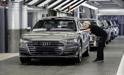 """Audi Group: Ισχυρά οικονομικά μεγέθη μετά από ένα απαιτητικό Α' εξάμηνο» • To Audi Group στο πρώτο εξάμηνο του 2017: €30,1 δισεκατομμύρια έσοδα, €2,7 δισεκατομμύρια λειτουργικό κέρδος • CEO Rupert Stadler: """"Μετά το Α8 θα ανανεώσουμε τέσσερις βασικές σειρές μοντέλων μας προσθέτοντας στην γκάμα μας το Q8 και το πλήρως ηλεκτρικό Audi e-tron"""". • CFO Axel Strotbek: """"Η αποδοτικότητα μετρά σε κάθε σημείο του Ομίλου οδηγώντας στις πρώτες επιτυχίες της χρονιάς"""". Το Audi Group σημείωσε έσοδα €30,1 δισεκατομμυρίων και λειτουργικό κέρδος €2,7 δισεκατομμύριων στο πρώτο εξάμηνο του 2017. Η Audi βελτίωσε την λειτουργική της απόδοση σε σχέση με το περσινό πρώτο εξάμηνο. Σε παγκόσμιο επίπεδο οι πωλήσεις αυτοκινήτων Audi ήταν χαμηλότερες μετά την προσωρινή μείωση των πωλήσεων στην αγορά της Κίνας και σε σύγκριση με το πρώτο εξάμηνο του 2016. Τον Ιούνιο, οι πωλήσεις στην Κίνα αυξήθηκαν και πάλι και έφτασαν στο υψηλότερο επίπεδο για το συγκεκριμένο μήνα. Η εταιρία προβλέπει ισχυρότερη ζήτηση στο δεύτερο εξάμηνο του έτους, ενώ οι επενδύσεις για νέα μοντέλα θα είναι μεγαλύτερες από ότι στους πρώτους έξι μήνες της χρονιάς. """"Η παγκόσμια πρεμιέρα του νέου Audi A8 στο πρώτο Audi Summit ήταν η αρχή μίας σειράς παρουσιάσεων νέων μοντέλων"""", δήλωσε ο Rupert Stadler, Πρόεδρος του Διοικητικού Συμβουλίου της AUDI AG. Η νέα γενιά της ναυαρχίδας της Audi εξελίχθηκε ως το πρώτο αυτοκίνητο ευρείας παραγωγής με πλήρως αυτόνομη οδήγηση, καθώς και με προηγμένη mild hybrid ή plug-in hybrid τεχνολογία δικτύου υψηλής τάσης που σταδιακά θα περάσει σε όλες τις εκδόσεις. """"Έως τα μέσα του 2018, θα παρουσιάσουμε τις νέες γενιές τεσσάρων βασικών μας μοντέλων. Επιπρόσθετα, από την επόμενη χρονιά θα διευρύνουμε την προϊοντική μας διαθεσιμότητα στις κορυφαίες κατηγορίες με το νέο Audi Q8 και με το πλήρως ηλεκτρικό Audi e-tron"""" τόνισε ολοκληρώνοντας ο R. Stadler. Από τον Ιανουάριο μέχρι τον Ιούνιο του 2017, η εταιρία με έδρα το Ingolstadt παρέδωσε 908.955 αυτοκίνητα στους πελάτες τους (2016: 953.293 μονάδες). Τα έσοδα"""