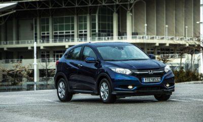 για τους μήνες Αύγουστο και Σεπτέμβριο ισχύουν οι παρακάτω προωθητικές ενέργειες για τα μοντέλα της Honda: H έκδοση CRV Comfort μειώνεται κατά 2.950€ και φτάνει στις 28.000€ Όφελος πελάτη 2.000€ με ΦΠΑ για την έκδοση CRV 1.6lt 2WD Elegance. Όφελος πελάτη 3.000€ με ΦΠΑ για τις εκδόσεις CR-V 4WD 1.6lt MT 15/16MY και την έκδοση CR-V 4WD 1.6lt MT NAVI. Όφελος πελάτη 1.000€ για τις εκδόσεις HR-V 1.5lt Elegance MT & CVT Ταυτόχρονα για όλα τα μοντέλα Honda ισχύει το πρόγραμμα Honda «Όλα είναι Δυνατά» με το οποίο οι υποψήφιοι πελάτες Honda μπορούν τώρα να αποκτήσουν το μοντέλο Honda που επιθυμούν εκμεταλλευόμενοι τα παρακάτω οφέλη: 5 χρόνια δωρεάν service (μόνο τα ανταλλακτικά), όπου καλύπτεται η περιοδική συντήρηση των μοντέλων Honda όπως αυτή εμφανίζεται μέσω του service reminder system του αυτοκινήτου και περιγράφεται στο βιβλίο συντήρησης και εγγύησης 5 χρόνια εγγύηση ή 150.000 χλμ. 5 χρόνια δωρεάν Οδική Βοήθεια Honda Assist σε συνεργασία με την S.B.A.I. Mondial Assistance Συνέχιση του πολύ ανταγωνιστικού χρηματοδοτικού προγράμματος από την Alpha Bank με ετήσιο ονομαστικό επιτόκιο 5,9% (πλέον εισφοράς 0,6%). Παράλληλα η εταιρεία Αδελφοί Σαρακάκη Α.Ε.Β.Μ.Ε. συνεχίζει το πρόγραμμα Honda Family, με το οποίο, όποιος έχει στην κατοχή του αυτοκίνητο Honda, εξασφαλίζει δωρεάν ασφάλεια για ένα χρόνο στον ίδιο καθώς και σε όποιον από την οικογένειά του θέλει να αγοράσει νέο Honda αυτοκίνητο.