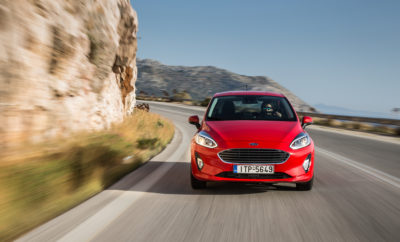 Το Νέο Ford Fiesta με 8 Χρόνια Εργοστασιακή Εγγύηση και Ακόμα πιο Ανταγωνιστικά Χρηματοδοτικά Προγράμματα • Με νέο εξαιρετικά χαμηλό επιτόκιο από 1,99%* • Με ελάχιστη προκαταβολή από 20% και 2.598€ • Με εξόφληση σε έως 60 μήνες • Από 181€ το μήνα Η Ford σας δίνει έναν ακόμη λόγο για να χαμογελάτε - έναν ακόμη λόγο για να αποκτήσετε το νέο Ford Fiesta, το πιο τεχνολογικά προηγμένο αυτοκίνητο στην κατηγορία του! Λίγες μόνο ημέρες μετά την επίσημη παρουσίαση του δημοφιλούς** μοντέλου στην Ελληνική αγορά, η Ford αποδεικνύει έμπρακτα την εμπιστοσύνη της στο νέο Ford Fiesta και επιπλέον της Εργοστασιακής Εγγύησης 8 ετών, το εφοδιάζει ένα ακόμη «όπλο» για την κατάκτηση της κορυφής. To νέο χρηματοδοτικό πρόγραμμα της Ford Credit που τίθεται σε ισχύ από την 1η Αυγούστου, σας προσφέρει τη δυνατότητα να αποκτήσετε το νέο Ford Fiesta με ένα εξαιρετικά χαμηλό επιτόκιο, από 1,99%.* Το επιτόκιο αυτό αποτελεί μέρος των αποκλειστικών προγραμμάτων χρηματοδότησης που η Ford προσφέρει για το νέο Fiesta - επιλέξτε αυτό που ταιριάζει καλύτερα στις δικές σας ανάγκες και αποκτήστε το με ελάχιστη προκαταβολή από 2.598€ ή από 181€ το μήνα. Αποκτήστε εύκολα το νέο Ford Fiesta και αγαπήστε ξανά τους δρόμους, την οδήγηση και το ταξίδι! Εγγύηση για το Ford Fiesta: 8 Χρόνια Εργοστασιακή Εγγύηση Ford Protect Χρηματοδοτικά προγράμματα Ford Fiesta: Ποσοστό Ελάχιστης Προκαταβολής Διάρκεια (Μήνες) Επιτόκιο* 20% 12-48 1,99% 20% 12-60 9,10% 30% 12-60 8,13% 40% 12-48 4,93% # # # * Δεν συμπεριλαμβάνεται η εισφορά 0,6% ** Το Ford Fiesta ήταν το πιο καλοπουλημένο αυτοκίνητο στην Ευρώπη, σύμφωνα με ανάλυση στοιχείων της βιομηχανίας από τη Ford για το Μάρτιο του 2017. Η Ford Ευρώπης αναφέρει τις πωλήσεις της για τις παραδοσιακές Ευρωπαϊκές αγορές της όπου εκπροσωπείται μέσω Εθνικών Εταιρειών Πωλήσεων και είναι: Αυστρία, Βέλγιο, Βρετανία, Τσεχία, Δανία, Φινλανδία, Γαλλία, Γερμανία, Ελλάδα, Ουγγαρία, Ιρλανδία, Ιταλία, Ολλανδία, Νορβηγία, Πολωνία, Πορτογαλία, Ισπανία, Ρουμανία, Σουηδία και Ελβετία.