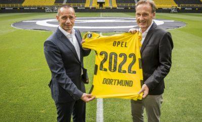 Η Opel μακροπρόθεσμος εταίρος μιας ποδοσφαιρικής ομάδας κορυφαίας κλάσης Το λογότυπο της Opel στη φανέλα των παικτών της Πρωταθλήτριας Γερμανίας Η Opel επεκτείνει τη συνεργασία της με τη Borussia Dortmund ως στρατηγικός εταίρος Η Opel και η Borussia Dortmund έχουν επεκτείνει την επιτυχημένη συνεργασία τους για πέντε χρόνια ακόμα. Το λογότυπο της Opel θα εμφανίζεται στο μανίκι της φανέλας της Borussia Dortmund από τη σεζόν 2017/18 Bundesliga, καθώς η εταιρία εντάσσεται στην ομάδα στρατηγικών εταίρων των Κυπελλούχων Γερμανίας. Αντίθετα με τους τρεις άλλους στρατηγικούς εταίρους της BVB – Evonik (κύριος χορηγός), Puma (προμηθευτής) και Signal Iduna που έχουν τα δικαιώματα επί της ονομασίας του σταδίου – η Opel δεν θα μετέχει σε αυτό. Ωστόσο, η στρατηγική προσέγγιση προβλέπει στενότερες σχέσεις με την Borussia Dortmund στους τομείς επικοινωνίας και ενεργοποίησης. Αυτό ανακοίνωσε ο Jürgen Keller, Εκτελεστικός Διευθυντής Πωλήσεων, Μάρκετινγκ & Aftersales της Opel Γερμανίας, και ο Διευθύνων Σύμβουλος της BVB, Hans-Joachim Watzke σε συνέντευξη τύπου που δόθηκε στο Dortmund πριν από μερικές ημέρες. Η συνεργασία Opel και Borussia Dortmund ξεκίνησε τον Αύγουστο του 2012 και σύμφωνα με μελέτες που πραγματοποίησε το ινστιτούτο έρευνας αγοράς Nielsen Sports και το Technical University Braunschweig θεωρείται από τις πλέον αξιόπιστες και βιώσιμες συνεργασίες στο χώρο του Γερμανικού ποδοσφαίρου. Επομένως, αποτελεί ζωτικό στοιχείο της θετικής εξέλιξης της μάρκας Opel τα τελευταία πέντε χρόνια. «Είμαστε χαρούμενοι που πετύχαμε μία μακροπρόθεσμη επέκταση τη συνεργασίας μας με την Borussia Dortmund και θα κάνουμε ακόμα πιο στενές τις σχέσεις με αυτό το θαυμάσιο σύλλογο στο μέλλον. Η Borussia ταιριάζει άριστα στη μάρκα μας επειδή συμβολίζει ότι και η Opel – εξαιρετικές επιδόσεις και προσιτότητα. Επιπλέον, εκτιμούμε την αξιόπιστη και επαγγελματική συνεργασία με τον Hans-Joachim Watzke και ολόκληρη την ομάδα του και είμαστε ήδη ενθουσιασμένοι με τις μελλοντικές προοπτικές» δήλωσε ο Jürgen 