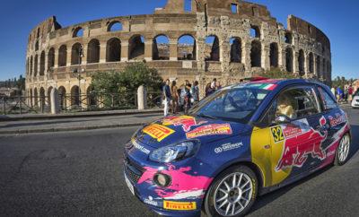 Οι Junior οδηγοί της Opel σε συναρπαστικές μάχες για τον τίτλο 18.09.2017 Print Print Word Οι οδηγοί της Opel, Huttunen και Ingram, στο βάθρο του Ράλλυ Ρώμης (Rally di Roma Capitale) Δραματική μάχη ανάμεσα σε τέσσερις οδηγούς του Πρωταθλήματος ERC Junior 2017 Η οδηγός της Opel, Molinaro, κατακτά το Ladies' Trophy στην πατρίδα της Η Opel έχασε με μικρή διαφορά τη νίκη στο Rally di Roma Capitale, προτελευταίο αγώνα της περιόδου για το Πρωτάθλημα FIA ERC Junior U27. Μετά από δώδεκα εξαιρετικά δύσκολες ειδικές διαδρομές στην περιφέρεια της ιταλικής πρωτεύουσας, ο εργοστασιακός οδηγός της Opel από τη Φινλανδία, Jari Huttunen (23 ετών από το Kiuruvesi) βρέθηκε μόλις 4,9 δευτερόλεπτα πίσω από τον Τσέχο Filip Mares. Ο Βρετανός Chris Ingram (23 ετών από το Μάντσεστερ) πήρε την τρίτη θέση με το δεύτερο εργοστασιακό Opel ADAM R2. Για πρώτη φορά στους τελευταίους 14 μήνες, ο νικητής ενός αγώνα FIA ERC Junior δεν ήταν οδηγός της Opel. Ο Διευθυντής της Opel Motorsport, Jörg Schrott, συνεχάρη τον αντίπαλο νικητή: «Είμαι πολύ απογοητευμένος που δε νικήσαμε, γιατί ήμασταν ικανοί γι' αυτή τη νίκη. Όμως ο ανταγωνισμός στην κορυφή του ERC Junior είναι τόσο έντονος, που απαιτεί να έχεις τη μέγιστη απόδοση συνεχώς. Από τη στιγμή που δεν τα καταφέραμε στην εντέλεια εδώ στη Ρώμη, ένα μεγάλο σερί νικών μας διακόπηκε. Συγχαρητήρια στο Filip Mares που οδήγησε πραγματικά καλά όλο το Σαββατοκύριακο και άξιζε τη νίκη». Μετά το πρώτο σκέλος και οι δύο εργοστασιακοί οδηγοί της Opel, Huttunen και Ingram, προηγούνταν στην κατάταξη της κατηγορίας Junior, όμως την τρίτη ημέρα ο αντίπαλός τους, Mares, ανέτρεψε την κατάσταση κάτω από δύσκολες καιρικές συνθήκες, οι οποίες κάποιες φορές κατέστησαν την επιλογή ελαστικών, θέμα τύχης. «Ειδικά την Κυριακή το πρωί, στην ειδική διαδρομή 7 των 32 χιλιομέτρων, καθώς και στην επόμενη διαδρομή 8, χάσαμε πολύ χρόνο», δήλωσε ένας φανερά απογοητευμένος Huttunen, ο οποίος κέρδισε τις περισσότερες ειδικές διαδρομές του αγώνα (5) μαζί με το συνοδηγό του Antti Linnaketo. 