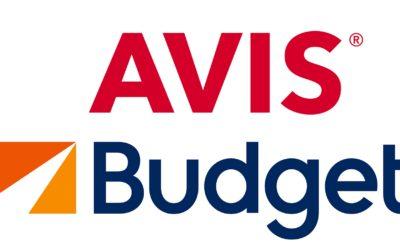 Η Τράπεζα Πειραιώς ανακοινώνει ότι το Διοικητικό της Συμβούλιο ενέκρινε την πώληση του 100% των μετοχών της θυγατρικής της «Olympic Εμπορικές και Τουριστικές Επιχειρήσεις Ανώνυμη Εταιρεία» («Olympic»), η οποία κατέχει το master franchise της Avis Rent a Car, Budget Rent a Car και Payless για όλη την Ελλάδα, σε κοινοπρακτικό σχήμα των εταιρειών «Olympia Group SA» και «Virtus International Partners LP», υπό τον όρο της οριστικοποίησης της σχετικής σύμβασης, η οποία έχει ήδη επί της ουσίας συμφωνηθεί (η «Συναλλαγή»). Η ολοκλήρωση της Συναλλαγής υπόκειται σε σχετικές κανονιστικές και λοιπές εγκρίσεις, καθώς επίσης και στη συναίνεση του Ταμείου Χρηματοπιστωτικής Σταθερότητας. Το τίμημα για τη Συναλλαγή έχει συμφωνηθεί στο ποσό των €80,6 εκατ. που αντιστοιχεί σε εταιρική αξία €318,1 εκατ. για την Olympic και θα καταβληθεί εξ ολοκλήρου σε μετρητά. Η Συναλλαγή αποτελεί ένα ακόμη βήμα για την υλοποίηση των δεσμεύσεων της Τράπεζας Πειραιώς στο πλαίσιο του Σχεδίου Αναδιάρθρωσης, όπως αυτό έχει συμφωνηθεί με τη Γενική Διεύθυνση Ανταγωνισμού της Ευρωπαϊκής Επιτροπής και συνιστά ουδέτερη κεφαλαιακά πράξη για την Τράπεζα. Ο Όμιλος Olympia είναι ένας επιχειρηματικός όμιλος με πολυσχιδή δραστηριότητα που περιλαμβάνει μια σειρά εταιρειών στην ελληνική αγορά, όπως τα Public, τις Sunlight και Westnet, τις Softone και Metis, καθώς και την Play (εταιρεία κινητής τηλεφωνίας εισηγμένη στο Χρηματιστήριο της Πολωνίας), την Aasa, εταιρεία χορήγησης καταναλωτικών δανείων (στις αγορές της Κεντρικής Ευρώπης), και την Tollerton Investments στην Κύπρο. H Virtus International Partners LP είναι διαχειριστής του «Virtus South European Fund», που επιδιώκει επενδυτικές ευκαιρίες στην Ελλάδα. Η Citigroup Global Markets Ltd ενήργησε ως αποκλειστικός χρηματοοικονομικός σύμβουλος και οι δικηγορικές εταιρείες «Ποταμίτης Βεκρής Law Firm» και «Norton Rose Fulbright» ενήργησαν ως νομικοί σύμβουλοι της Τράπεζας Πειραιώς για τη Συναλλαγή.