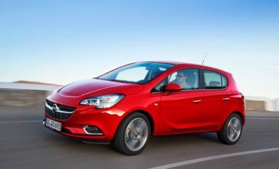 "Άριστα συνδεδεμένο χάρη σε στο νέο σύστημα infotainment Navi 4.0 IntelliLink Ενσωματωμένη δορυφορική πλοήγηση & 4G WiFi για μέχρι επτά συσκευές Σύστημα εμπρός κάμερας Opel Eye με τέσσερις προηγμένες λειτουργίες προειδοποίησης & ασφάλειας Η Opel λανσάρει τη νέα έκδοση Corsa Attraction με κορυφαία συνδεσιμότητα και εξαιρετικό εξοπλισμό. Το νέο σύστημα infotainment Navi 4.0 IntelliLink, το σύστημα προσωπικής συνδεσιμότητας και υποστήριξης Opel OnStar – που τώρα περιλαμβάνει Destination Download χάρη σε ένα ενσωματωμένο σύστημα πλοήγησης – καθώς και το νέο σύστημα ασφαλείας εμπρός κάμερας Opel Eye αποτελούν μέρος του standard εξοπλισμού της νέας έκδοσης Corsa Attraction. Οι κάτοχοι ενός Corsa Attraction μπορούν να ξεχάσουν πλέον τις αναζητήσεις και τις καταχωρήσεις προορισμών στο σύστημα πλοήγησης … με το πάτημα ενός κουμπιού εξηγούν στον Σύμβουλο Opel OnStar που θέλουν να πάνε και εκείνος κάνει download στο σύστημα πλοήγησης τον προορισμό τους! Έτσι απλά! Επιπλέον, έχουν τη δυνατότητα να κάνουν το αυτοκίνητό τους WiFi Hotspot και να συνδέσουν μέχρι επτά συσκευές! Ως Opel παρέχουμε δωρεάν συνδρομή ενός έτους στην υπηρεσία OnStar και δωρεάν το ισόποσο της συνδρομής Wi-Fi για ένα χρόνο με μέγιστο όγκο δεδομένων 100GB. Το νέο Corsa Attraction διαθέτει επίσης standard το Σύστημα Ασφάλειας Opel Eye που βασίζεται στην εμπρός κάμερα, το οποίο περιλαμβάνει λειτουργία προειδοποίησης σε ακούσια αλλαγή λωρίδας (Lane Departure Warning), αναγνώριση σημάτων κυκλοφορίας (Traffic Sign Assist), προειδοποίηση σε επικείμενη εμπρόσθια πρόσκρουση (Forward Collision Alert) και ένδειξη απόστασης από προπορευόμενο όχημα (Following Distance Indication). Πέραν αυτών, διαθέτει επιπλέον ζάντες αλουμινίου 16"", ηλεκτρονικό κλιματισμό, κάμερα οπισθοπορείας, σύστημα αυτόματων φώτων, αισθητήρες παρκαρίσματος και μία όμορφη ταπετσαρία Morrocana. Το νέο Corsa Attraction προσφέρεται με τον κινητήρα βενζίνης 1.4 90hp στην ιδιαίτερα ελκυστική τιμή των 13.750€ (πλέον εξόδων ταξινόμησης & τελών κυκλοφορίας). "