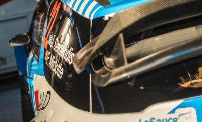 η συνέχεια του WRC Trophy με παρόντα τον Σερδερίδη! Το Ράλλυ Καταλωνίας, 11ος γύρος του Παγκοσμίου πρωταθλήματος Ράλλυ είναι ο επόμενος σταθμός του Ιορδάνη Σερδερίδη που φέτος ακολουθεί το WRC Trophy και μάλιστα διεκδικεί τον τίτλο. Η νίκη του στο Μόντε Κάρλο και οι δύο δεύτερες θέσεις σε Πολωνία και Γερμανία φέρνουν τον εκπρόσωπό μας στο WRC στη δεύτερη θέση του θεσμού και η έκβαση του μικτού Ράλλυ Καταλωνίας θα κρίνει πολλά όσον αφορά την κορυφή. Λίγες ημέρες πριν τον αγώνα, ο Ιορδάνης Σερδερίδης είχε την ευκαιρία να τεστάρει τη Citroen DS3 WRC και να πραγματοποιήσει τις τελευταίες ρυθμίσεις στο αγωνιστικό: «Στις αρχές της εβδομάδας δοκιμάσαμε το αυτοκίνητο σε χωμάτινη επιφάνεια στην Ισπανία και μείναμε απόλυτα ικανοποιημένοι από την αίσθηση της DS3. Χρησιμοποιήσαμε διαφορετικά setup για το χώμα και καταλήξαμε στο κατάλληλο που θα χρησιμοποιήσουμε στον αγώνα», ήταν τα λόγια του Έλληνα οδηγού, ο οποίος πρόσθεσε αναφορικά με την επιλογή των ελαστικών: «Ελπίζουμε το οδόστρωμα να είναι στεγνό καθ 'όλη τη διάρκεια του ράλλυ. Θα χρησιμοποιήσουμε τη σκληρή γόμα της Michelin και ανάλογα με την κατάσταση των ειδικών θα επιλέξουμε τα κατάλληλα ελαστικά.» Ο αγώνας αποτελείται από 19 ειδικές διαδρομές, με το πρώτο σκέλος της Παρασκευής να περιλαμβάνει διαδρομές σε χωμάτινη επιφάνεια, ενώ στα υπόλοιπα δύο σκέλη τα πληρώματα θα αγωνιστούν στην άσφαλτο: «Οι ειδικές διαδρομές περιλαμβάνουν έντονο ενδιαφέρον, καθώς είναι απολαυστικές οδηγικά. Κατά τη διάρκεια των αναγνωρίσεων, βελτιώσαμε τον τρόπο γραφής των σημειώσεων με το συνοδηγό μου και πλέον αισθανόμαστε έτοιμοι να ριχτούμε στη μάχη!», δήλωσε ο Σερδερίδης και συνέχισε: «Στόχος είναι να τερματίσουμε και να μαζέψουμε όσο γίνεται περισσότερους πόντους για το WRC Trophy. Θέλουμε βέβαια να αποδείξουμε την ταχύτητά μας και στις δύο επιφάνειες!» Το Ράλλυ Καταλωνίας ξεκινάει το πρωί της Παρασκευής με τα συνολικά χιλιόμετρα που καλούνται να καλύψουν τα πληρώματα στις 19 ειδικές διαδρομές του αγώνα να είναι 312.