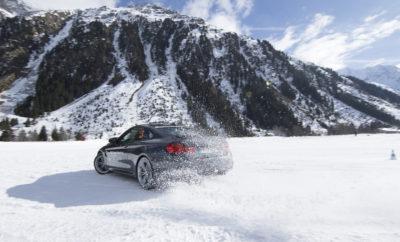 """Τα χειμερινά εκπαιδευτικά σεμινάρια που περιλαμβάνει το BMW & MINI Driving Experience ήταν ανέκαθεν στενά συνδεδεμένα με την Αυστρία. Πριν από 27 χρόνια, μία χειραψία μεταξύ του Josef Bücherl, ενός από τους εμπνευστές των σεμιναρίων εκπαίδευσης οδηγών BMW και του Hans Falkner, επικεφαλής του ξενοδοχείου 5 αστέρων """"DAS CENTRAL – ALPINE . LUXURY. LIFE"""", επισφράγισε την έναρξη του BMW Snow Experience στο Sölden. Στις 26 Σεπτεμβρίου, ο Bücherl και μέλη της οικογένειας Falkner συναντήθηκαν πάλι στο BMW Welt στο Μόναχο, όπου πλαισιώθηκαν από εκπροσώπους των BMW M GmbH, BMW & MINI Driving Experience, και των περιοχών Ötztal και Pitztal, που φιλοξενούν χειμερινές εγκαταστάσεις εκπαίδευσης, για να γιορτάσουν το ξεκίνημα της επόμενης φάσης της επιτυχημένης συνεργασίας τους. Βασικό στοιχείο της συνεργασίας είναι η συνέχεια της επιτυχημένης ιστορίας στο Sölden. Εκτός των σεμιναρίων Βασικής και Εντατικής Εκπαίδευσης στο Χιόνι (BMW Snow Basic Training & BMW Snow Intensive Training) που διεξάγονται εκεί, το Sölden είναι πρωτίστως ένας χώρος για εταιρικές διοργανώσεις και εκδηλώσεις πελατών. Η συνεργασία με το Pitztal διευρύνεται επίσης. Η περιοχή που βρίσκεται 1700 m πάνω από την επιφάνεια της θάλασσας προφέρει ιδανικές διαδρομές, μια οβάλ πίστα ντριφταρίσματος και μια πίστα δοκιμών συμπεριφοράς για το σεμινάριο εκπαίδευσης πλαγιολίθησης στο χιόνι (BMW Snow Drift Training) και εσωτερικά σεμινάρια εκπαίδευσης οδηγών της BMW. Από την προσεχή σεζόν, που ξεκινά το Δεκέμβριο του 2017, οι χώροι θα διατίθενται αποκλειστικά για τη BMW. «Τα χειμερινά εκπαιδευτικά σεμινάρια της BMW στην Αυστρία έχουν μακροχρόνια παράδοση, που μπορούμε να απολαύσουμε μαζί με όλους όσους έχουν συμβάλλει σε αυτή την επιτυχημένη ιστορία», δήλωσε ο Frank van Meel, Πρόεδρος Δ.Σ. της BMW M GmbH. «Είμαι ιδιαίτερα ικανοποιημένος που θα εντείνουμε σημαντικά τη συνεργασία μας με τον φορέα τουρισμού του Pitztal που ξεκίνησε το 2016». Ο Robert Eichlinger, Επικεφαλής του BMW & MINI Driving Experience, προσθέτει: «Τα χειμ"""