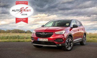 """Το Νέο Opel Grandland X στον Τελικό του AUTOBEST 2018 05.10.2017 Print Print Word Το Grandland X μεταξύ των φιναλίστ για τον περίοπτο τίτλο """"Best Buy Cars of Europe"""" Σχεδίαση, κορυφαίες τεχνολογίες & λειτουργικότητα είναι τα αδιαφιλονίκητα προσόντα του συμπαγούς SUV της Opel Το σερί επιτυχιών της Opel σε αναγνωρισμένους, διεθνείς διαγωνισμούς συνεχίζεται Παρά το ότι πρόσφατα γιόρτασε την παγκόσμια πρεμιέρα του στην Έκθεση Αυτοκινήτου της Φρανκφούρτης και μόλις δοκιμάστηκε από εκπροσώπους του ειδικού Τύπου, το νέο Opel Grandland X έχει αφήσει πίσω πολλούς ανταγωνιστές του και ήδη συγκαταλέγεται μεταξύ των φιναλίστ του Ευρωπαϊκού διαγωνισμού """"AUTOBEST 2018"""". Αυτό ανακοίνωσε σήμερα η κριτικού επιτροπή του αναγνωρισμένου, διεθνούς διαγωνισμού. Η επιτροπή που αποτελείται από έγκριτους εκπροσώπους του ειδικού Τύπου, από 31 Ευρωπαϊκές χώρες, δοκιμάζει νέα μοντέλα που είναι υποψήφια για το περίοπτο βραβείο. Ο νικητής κερδίζει τον τίτλο """"Best Buy Car of Europe 2018"""". Φτάνοντας στον τελικό, το δυναμικό συμπαγές SUV της Opel είναι ένας από τους έξι επικρατέστερους, σκληρούς διεκδικητές του τίτλου. Η επιτροπή AUTOBEST αξιολογεί τις υποψηφιότητες σε διάφορες κατηγορίες όπως ευελιξία, σχεδίαση και νέες τεχνολογίες σε συνδυασμό μαι με το δίκτυο τεχνικής υποστήριξης, τη διαθεσιμότητα ανταλλακτικών και την τιμή. Το νέο Opel Grandland X υπερέχει σε πολλούς τομείς: Μοντέρνες, αθλητικές γραμμές, γοητευτική off-road εμφάνιση και κλασικές αρετές SUV όπως υπερυψωμένη θέση καθισμάτων και καλή σφαιρική ορατότητα. Λάτρης της περιπέτειας, το νέο μοντέλο εξοπλίζεται με μία σειρά κορυφαίων τεχνολογιών όπως σύστημα ηλεκτρονικού ελέγχου πρόσφυσης IntelliGrip, ενώ διαθέτει άφθονους χώρους και ανέσεις για μέχρι πέντε επιβάτες. Και όλα αυτά συνδυάζονται με μία ελκυστική σχέση κόστους / απόδοσης που βοήθησε το νέο SUV να φτάσει στον τελικό του AUTOBEST 2018. Η κρίσιμη απόφαση θα ληφθεί κατά τη διάρκεια πολυάριθμων test drives και άλλων μετρήσεων στην πίστα δοκιμών του = Vairano (Italy). Το όνομα του """