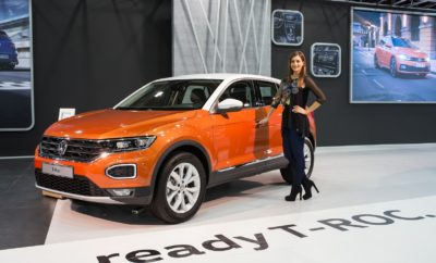 Στο περίπτερο της Volkswagen συνολικής έκτασης 660 τ.μ., κυρίαρχη παρουσία έχει το Νέο Polo, μέσα από 4 εκδόσεις που αναδεικνύουν τον σύγχρονο και πλουραλιστικό χαρακτήρα του ενώ σε preview εμφάνιση υπάρχει το Νέο Polo GTI το οποίο αναμένεται στη χώρα μας το Φεβρουάριο 2018. Πρεμιέρα και για το ολοκαίνουργιο T-Roc. Το πολυαναμενόμενο compact SUV της Volkswagen, σε πρώτη επαφή με το ελληνικό κοινό, αναμένεται να αναδειχθεί σε πρωταγωνιστή της έκθεσης! Δυο πρωτοεμφανιζόμενα μοντέλα και για το δημοφιλέστατο Golf, το Golf R-Line και το κορυφαίο Golf R 310PS 4Motion, με τις μοναδικές επιδόσεις.
