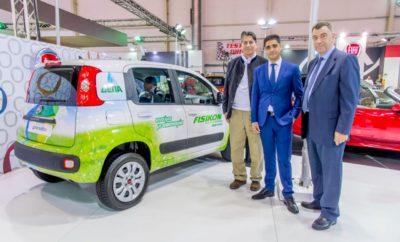 """Fiat Big Deal & Green Bonus Fisikon Με αφορμή τη συμμετοχή στην έκθεση """"ΑΥΤΟΚΙΝΗΣΗ FISIKON 2017"""", η FIAT υλοποιεί ένα σημαντικό προωθητικό Πρόγραμμα, το """"Fiat Big Deal"""", προσφέροντας τη δυνατότητα στους αγοραστές να αποκτήσουν το αυτοκίνητο Fiat της επιθυμίας τους σε ακόμα πιο ανταγωνιστικές τιμές. Με την ενεργοποίηση του συγκεκριμένου προγράμματος ενισχύονται οι ήδη ελκυστικές προωθητικές ενέργειες λιανικής που είναι σε ισχύ. Συγκεκριμένα, το πρόγραμμα περιλαμβάνει: 3 χρόνια δωρεάν εγγύηση, 3 χρόνια δωρεάν οδική βοήθεια, 3 χρόνια δωρεάν service και 3% προνομιακό επιτόκιο μέσω FCA Bank (από 35% ελάχιστη προκαταβολή, έως 48 μήνες). Όλα τα παραπάνω ισχύουν για όλα τα μοντέλα της Fiat (πλην 124 Spider), επιπλέον των εκπτώσεων που αποδίδονται. Επιπρόσθετα, το πρόγραμμα ισχύει για κάθε νέα παραγγελία με ταξινόμηση έως 31 Δεκεμβρίου 2017. Μια ακόμα σημαντική πρωτοβουλία στο πλαίσιο της ΑΥΤΟΚΙΝΗΣΗΣ είναι το """"Green Bonus Fisikon"""", μια ειδική προωθητική ενέργεια από τη ΔΕΠΑ, με το Φυσικό Αέριο Κίνησης Fisikon, τον χρυσό χορηγό της Έκθεσης. Η ΔΕΠΑ προσφέρει στους αγοραστές ειδική έκπτωση 10% επί της τιμής τιμοκαταλόγου οποιουδήποτε επιβατικού ή επαγγελματικού οχήματος Fiat με φυσικό αέριο. Ισχύει για παραγγελίες έως 5 Δεκεμβρίου 2017 για όλα τα μοντέλα που διαθέτει ο στόλος της Fiat (Panda, Punto, 500L, Doblo, Qubo) και Fiat Professional (Panda Van, Doblo, & Fiorino). Είναι αξιοσημείωτο ότι μέσω του ειδικού αυτού bonus αλλά και των προωθητικών ενεργειών της Fiat, οι επισκέπτες της έκθεσης έχουν μια μοναδική ευκαιρία να αποκτήσουν μοντέλα CNG όπως το Fiat Panda (best seller της κατηγορίας), σε τιμή αντίστοιχη της βενζινοκίνητης έκδοσης Panda 0.9 Twinair. O Διευθύνων Σύμβουλος της FCA Greece, κ. Γιώργος Μπακόπουλος χαιρετίζει την εξαιρετική αυτή κίνηση της ΔΕΠΑ που δίνει σημαντικό κίνητρο σε όσους θέλουν να μετακινηθούν πιο οικονομικά και οικολογικά. Επιπλέον δήλωσε ότι """"H FCA αποτελεί τον Νο1 κατασκευαστή οχημάτων φυσικού αερίου στην Ευρώπη, με περισσότερες από 700.000 ταξινομ"""