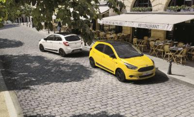 Νέο Ford KA+ Colour Edition - Διαθέσιμο σε 6 Αντίθετους Χρωματικούς Συνδυασμούς Η Ford λανσάρισε το νέο KA+ Colour Edition – που διατίθεται σε έξι τολμηρά χρώματα εξωτερικού με μαύρες λεπτομέρειες για τη δημιουργία εντυπωσιακών αντιθέσεων. Η ειδική έκδοση του ευρύχωρου μικρού μοντέλου της Ford διατίθεται σε αποχρώσεις Bright Yellow, Moondust Silver, Oxford White, Ruby Red, Smoke, Sparkling Gold, και περιλαμβάνει: • Μεγάλη πίσω αεροτομή • Μαύρες, ζάντες αλουμινίου 15-ιντσών • Οροφή βαμμένη σε Shadow Black • Καλύμματα καθρεπτών σε Shadow Black • Μαύρα πλαϊνά αυτοκόλλητα • Μαύρη μάσκα τύπου πλέγματος • Μαύρα σήματα στα φτερά Το 5-θυρο hatchback Ford KA+ προσφέρει εξαιρετική ευρυχωρία, οικονομική κατανάλωση και απολαυστική οδική συμπεριφορά, σε προσιτή τιμή. Το εσωτερικό μπορεί να φιλοξενήσει άνετα πέντε άτομα με άφθονο χώρο για το κεφάλι των εμπρός επιβατών και τα πόδια των πίσω αντίστοιχα, ενώ διαθέτει 21 αποθηκευτικούς χώρους. Στο MyFord Dock που βρίσκεται στο κέντρο του πίνακα οργάνων, οι επιβάτες μπορούν να αποθηκεύουν, να τοποθετούν και να φορτίζουν κινητές συσκευές όπως τηλέφωνα και συστήματα πλοήγησης. Το KA+ Colour Edition προσφέρεται με βενζινοκινητήρα 1.2L Duratec 85 PS με κατανάλωση 5,2 l/100 km*, εκπομπές CO2 120 g/km και είναι ήδη διαθέσιμο για παραγγελία.