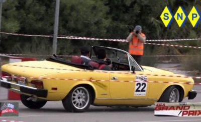 """Ο Σύλλογος Ιδιοκτητών Σπορ Αυτοκινήτων διοργανώνει την Κυριακή 3 Δεκεμβρίου το «ΣΙΣΑ Grand Prix», που παραδοσιακά είναι η τελευταία εκδήλωση της χρονιάς και θα κρίνει το αμφίρροπο Πρωτάθλημα ΣΙΣΑ. Μετά τις οργανωτικές επιτυχίες των τριών περασμένων ετών η εκδήλωση θα διεξαχθεί φέτος στη Βάρκιζα με την υποστήριξη του Δήμου Βάρης-Βούλας-Βουλιαγμένης. Δικαίωμα συμμετοχής έχουν ιστορικά αυτοκίνητα κατασκευής έως και το 1987 (κατηγορία """"Historic"""") και αυτοκίνητα από το 1988 έως και το 1997 (κατηγορία Potentially Historic-""""Youngtimer""""). Οι συμμετέχοντες θα μπορούν να επιλέξουν να διαγωνισθούν είτε στην κατηγορία Super Classic (με ανώτατη μέσω ωριαία ταχύτητα έως 50 χλμ) ή στην κατηγορία Regularity Classic (με ΜΩΤ έως 40 χλμ). Δικαίωμα συγκομιδής βαθμών για το πρωτάθλημα έχουν οι συμμετέχοντες και των δύο κατηγοριών, απαγορεύεται όμως η ταυτόχρονη συμμετοχή και στις δύο κατηγορίες. Οι συμμετέχοντες θα διαγωνισθούν σε μία διαδρομή ακριβείας μήκους περίπου 1000 μέτρων, τύπου Rally Sprint Regularity, στην οποία θα διαγωνισθούν τα πληρώματα 3 φορές. Η τελική μορφή της εκδήλωσης αποτυπώνεται στον Ειδικό Κανονισμό. Οι θεατές θα μπορούν να παρακολουθούν πανοραμικά από ασφαλείς θέσεις και η είσοδος είναι ελεύθερη. Το κόστος συμμετοχής ανέρχεται στα 70€ ανά αυτοκίνητο για τα ταμειακώς ενήμερα μέλη ΣΙΣΑ και στα 80€ για τους λοιπούς συμμετέχοντες. ΠΡΟΓΡΑΜΜΑ Παρασκευή 1/12/2017 17:00-20:00 Διοικητικός Έλεγχος & Ενημέρωση Συμμετεχόντων (παράδοση υλικού) 20:00 Τα αυτοκίνητα των συμμετεχόντων τίθενται σε καθεστώς parc ferme έως την Κυριακή 3/12/2017 και ώρα 06:00 Κυριακή 3/12/2017 06:00-09:00 Εκκίνηση από τη βάση του εκάστοτε συμμετέχοντα (Σταθμός Ελέγχου Χρόνου 0) και μετάβαση βάσει δηλωμένης διαδρομής και βάσει ΚΟΚ στον Σταθμό Ελέγχου Χρόνου 1 09:00-10:00 ΣΕΧ 1: Συγκέντρωση 10:00-11:30 Εκκίνηση - 1ο σκέλος 11:30-13:00 ΣΕΧ 2: 2ο σκέλος 13:00-14:30 ΣΕΧ 3: 3ο σκέλος 15:00 Έκδοση αποτελεσμάτων 15:30 Απονομή επάθλων 16:00-19:00 ΣΕΧ 4: Μετάβαση στον ΣΕΧ 5 (βάση εκάστοτε συμμετέχοντα) 19:00 Π"""