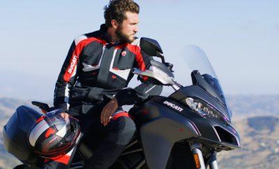 Εορταστική προσφορά από τη Ducati για εξοπλισμό και αξεσουάρ Εορταστική προσφορά από τη Ducati, στο πνεύμα των ημερών! Το Ducati Athens, η έκθεση της ιταλικής φίρμας στην Αθήνα, προσφέρει έκπτωση 20% σε όλα τα είδη εξοπλισμού αναβάτη και στα αξεσουάρ της μάρκας, για την περίοδο των γιορτών. Η σειρά Apparel της Ducati αφορά εξοπλισμό που αποτελείται από κράνη, μπουφάν, μπότες έως και casual ρουχισμό, t-shirt, polo shirt, φούτερ κ.α. Μάλιστα, η έκπτωση προσφέρεται και στην κολεξιόν του 2018, η οποία στο μεγαλύτερο μέρος της είναι ήδη διαθέσιμη στο Ducati Athens. Η σειρά Accessories αφορά αξεσουάρ για τις μοτοσυκλέτες της Ducati. Η γκάμα των αξεσουάρ είναι πραγματικά ατέλειωτη, προσφέροντας στους κατόχους της ιταλικής μάρκας τη δυνατότητα εξατομίκευσης ή ανανέωσης της αγαπημένης τους μοτοσυκλέτας, τόσο αισθητικά όσο και λειτουργικά. Τα αξεσουάρ είναι διαθέσιμα στην πλειοψηφία τους σε ικανοποιητικό απόθεμα ενώ και με το σύστημα παραγγελίας και παράδοσης εντός 48 ωρών που έχει θεσπίσει η Ducati τα τελευταία χρόνια, η οποιαδήποτε ζήτηση ικανοποιείται σχετικά άμεσα και σε κάθε περίπτωση έγκαιρα όσον αφορά τις εορτές και εντός της διάρκειας της προσφοράς. Το Ducati Athens βρίσκεται στο Νέο Κόσμο, Καλλιρρόης 9 και ακολουθεί το εορταστικό ωράριο καταστημάτων, με ώρες λειτουργίας Δευτέρα και Τετάρτη 09.00-17.00, Τρίτη, Πέμπτη και Παρασκευή 09.00-20.00 ενώ τα Σάββατα 10.00-14.00. Τηλέφωνο επικοινωνίας 210-9981199, www.ducatiathens.gr