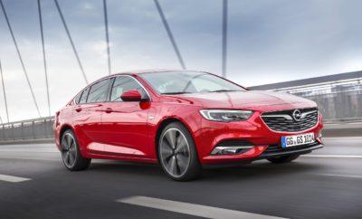Εξαιρετικές δυνατότητες οικονομίας με χαμηλό συνολικό κόστος ιδιοκτησίας (TCO) Ανώτερος εξοπλισμός για την Έκδοση Selection με πολλά έξτρα συστήματα, στάνταρ Εξαιρετικά δημοφιλής και ήδη πολλαπλά βραβευμένη η νέα γενιά του κορυφαίου Opel Το νέο Opel Insignia είναι το θαύμα οικονομίας της μεσαίας κατηγορίας. Το κορυφαίο μοντέλο της Opel εντυπωσιάζει τόσο με το σπορ στυλ, την premium άνεση και τις κορυφαίες τεχνολογίες όσο και με την οικονομία του. Οι πελάτες ωφελούνται από το χαμηλότερο συνολικό κόστος ιδιοκτησίας (TCO) έναντι των εφάμιλλων ανταγωνιστών του. Αυτό καθιστά το Insignia Grand Sport ιδιαίτερα ελκυστικό για ιδιώτες και πελάτες fleet. Έκδοση Selection: Κορυφαίος εξοπλισμός σε ειδική τιμή Ιδιαίτερα η έκδοση Selection προσφέρει υψηλά επίπεδα άνεσης και πληθώρα τεχνολογιών στάνταρ σε ένα ολοκληρωμένο πακέτο, με άκρως ελκυστική τιμή. Το Insignia Selection διαθέτει σύστημα infotainment Navi 900 IntelliLink με ενσωματωμένη πλοήγηση. Ο πλούσιος εξοπλισμός είναι ένας από τους λόγους της υψηλής αξίας μεταπώλησης του Insignia. Πολλοί ακόμα παράγοντες εξασφαλίζουν την υπεροχή της 'ναυαρχίδας' της Opel στην κατηγορία: χάρη στις υπερσύγχρονες μεθόδους παραγωγής και τα ανώτερα υλικά, το Insignia πετυχαίνει ένα εξαιρετικό επίπεδο ποιότητας, το οποίο είναι σημαντικό για ένα μεγάλο κύκλο ζωής με σταθερή αξία μεταπώλησης. Επιπλέον, η έξυπνη μηχανολογία, τα ευφυή συστήματα κίνησης, οι καινοτόμες τεχνολογίες και τα συστήματα υποστήριξης κάνουν την οδήγηση ασφαλέστερη. Όλα αυτά έχουν σαν αποτέλεσμα, χαμηλότερα ασφάλιστρα (όπου εφαρμόζονται), μικρότερο κόστος συντήρησης και επισκευών και μειωμένες δαπάνες καυσίμου. Turbo diesel ή Turbo petrol: Σε κάθε περίπτωση το Insignia σας ανταμείβει Σύμφωνα με τρέχοντες υπολογισμούς και με βάση τις τρέχουσες τιμές (περισσότερες πληροφορίες παρακάτω) το συνολικό κόστος ιδιοκτησίας για το Insignia Grand Sport Selection με κινητήρα 1.6 Turbo diesel 100 kW/136 hp (κατανάλωση καυσίμου NEDC με εξατάχυτο μηχανικό κιβώτιο: στην πόλη 5,2[1] l/100 km