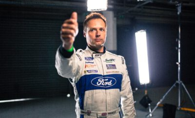 Η Ford χρησιμοποίησε την εξέταση EEG (Ηλεκτροεγκεφαλογράφημα) για να διαπιστώσει κατά πόσον οι απλοί οδηγοί μπορούν να εκπαιδεύσουν το μυαλό τους για να αποδίδουν σαν αγωνιζόμενοι Είτε κάνετε μία μεγάλη παρουσίαση, ή δίνετε μία σημαντική συνέντευξη εργασίας, το να μπαίνετε στην ψυχολογία ενός οδηγού αγώνων μπορεί να είναι το μυστικό για να πετύχετε το στόχο σας σε συνθήκες υψηλής πίεσης. Αυτό είναι ένα από τα ευρήματα νέας έρευνας που επιχειρεί να ανακαλύψει πώς λειτουργεί το μυαλό των οδηγών αγώνων. Η έρευνα, που πραγματοποιείται για λογαριασμό της Ford, καταλήγει ότι απλές τεχνικές εκπαίδευσης του εγκεφάλου μπορούν να μας βοηθήσουν να πετύχουμε ανώτερες επιδόσεις εντός και εκτός πίστας. Ερευνητές της Ford και του King's College London χρησιμοποίησαν ακουστικά EEG για να αναλύσουν την δραστηριότητα του εγκεφάλου επαγγελματιών οδηγών αγώνων, όπως καταγράφηκε σε έναν προσομοιωτή αγώνων ταχύτητας (racing simulator). Ανάμεσα στους οδηγούς ήταν ο πέντε φορές Παγκόσμιος Πρωταθλητής του WRC Sébastian Ogier και ο τρεις φορές νικητής του τίτλου στο Παγκόσμιο Πρωτάθλημα Αυτοκινήτων Τουρισμού της FIA (WTCC) Andy Priaulx – οδηγοί που γνωρίζουν πώς να πετυχαίνουν σε συνθήκες πίεσης. Στη συνέχεια, καθημερινοί οδηγοί κλήθηκαν να κάνουν το ίδιο – αξίζει να σημειωθεί είναι ότι μερικοί είχαν προετοιμαστεί με εγκεφαλικές ασκήσεις πριν από την δραστηριότητα, ενώ άλλοι δεν είχαν μπει σε αυτή τη διαδικασία. «Από την έρευνα προέκυψε ότι όταν κινούνταν με μεγάλες ταχύτητες και σε κατάσταση υψηλής συγκέντρωσης, ο εγκέφαλος των οδηγών αγώνων είχε 40% καλύτερη αντίσταση στη διάσπαση της προσοχής συγκριτικά με το μέσο όρο» δήλωσε ο Dr Elias Mouchlianitis, ερευνητής νευροεπιστημών στο King's College London. «Ωστόσο, το ενδιαφέρον που βρήκαμε ήταν ότι όταν οι απλοί άνθρωποι έκαναν μερικές απλές νοητικές ασκήσεις, μπορούσαν επίσης να φτάσουν σε υψηλότερο επίπεδο επίδοσης.» Απλές ασκήσεις αναπνοής και διαλογισμού, και μια τεχνική οπτικοποίησης που χρησιμοποιεί λέξεις – κλειδιά (keywords) για την 