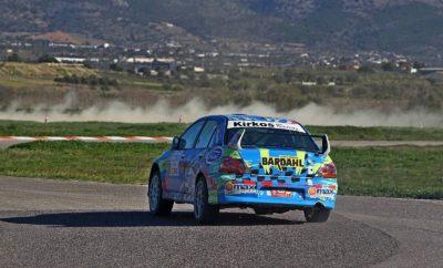 το αγωνιστικό μέρος, στα 2000+ κυβικά, ο Πάνος Κύρκος (Mitsubishi Lancer Evo VIII) απέδειξε για μια ακόμη φορά την ταχύτητά του, επικρατώντας του 5 φορές πρωταθλητή Ελλάδος, θείου του, Λάμπρου Κύρκου (Mitsubishi Lancer Evo VIII). Ο Λευτέρης Αλυγιζάκης (Mitsubishi Lancer Evo IX) τερμάτισε τρίτος, καταφέρνοντας να κρατήσει πίσω του το νικητή της κατηγορίας στη Χαλκίδα, Άρη Μαγιάφη (Mitsubishi Lancer Evo IX). Οι Νίκος Αθηναίος (Mitsubishi Lancer Evo IX), Γιώργος Αργυρίου (Mitsubishi Lancer Evo IX), Παναγιώτης Ρουστέμης (Mitsubishi Lancer Evo X) και Διονύσης Σπανός (Subaru Impreza STi R4) συμπλήρωσαν την πρώτη οκτάδα. Ένα πρόβλημα με το κιβώτιο ταχυτήτων του Lancer ένατης γενιάς δεν επέτρεψαν στο Νικόλα Χαλιβελάκη να πρωταγωνιστήσει. 5 Στην κατηγορία έως 2000 κυβικών, το λογικό φαβορί του αγώνα, ο Παναγιώτης Καμπύλης με το Skoda Fabia S2000 δεν δυσκολεύτηκε να κερδίσει, προσφέροντας άφθονο θέαμα στο Αυτοκινητοδρόμιο των Μεγάρων. Ο νεαρός Άρης Στιβαχτάρης (MG ZR 160) στην πρώτη του χρονιά εμπλοκής με τους αγώνες τερμάτισε δεύτερος, εμπρός από τον Κωνσταντίνο Αντωνίου με Ford Escort MKII. Οι Κωνσταντίνος Καραθανάσης (Opel Astra GSi), Γιάννης Μποζιονέλος (Ford Escort MK2) και Νίκος Ζακχαίος (Honda Civic Type R R3) ακολούθησαν. Στην πολυπληθή κατηγορία των 1600 κυβικών, ο Γιάννης Ακράτος (Peugeot 208 R2) πέτυχε την καλύτερη επίδοση και στα 4 σκέλη του αγώνα και δικαίως ανέβηκε στο υψηλότερο σκαλί του βάθρου. Επέστρεψε στην αγωνιστική δράση και τερμάτισε δεύτερος ο Σπύρος Βασιλείου με το MG Rover, με τον Χαράλαμπο Γαζετά (Opel Corsa S1600) να συμπληρώνει την πρώτη τριάδα. Ο Πατρινός Γιώργος Αθανασόπουλος (Citroen C2 R2) ολοκλήρωσε τέταρτος, με τους Κωνσταντίνο Μαχαίρα (Citroen Saxo VTS), Στέλιο Πρινέα (Citroen Saxo VTS) και Δημήτρη Τρακάκη (Citroen Saxo VTS) να ακολουθούν. 4 Στα 1400 κυβικά, ο Νίκος Χρυσάφης (Peugeot 206) που μετά από αρκετά χρόνια βρέθηκε και πάλι στο αριστερό μπάκετ, ξεπέρασε γρήγορα το μηχανικό πρόβλημα που αντιμετώπισε στο πρώτο σκέλος, αντεπιτέθηκε και 