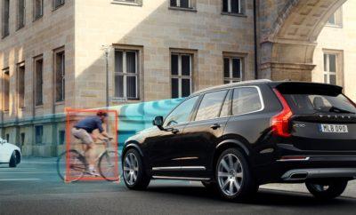 Την 1η Ιανουαρίου 2018 η Volvo παρουσιάζει το Mέλλον της Aσφάλειας μέσω ενός τηλεοπτικού spot, το οποίο θα ξεκινήσει να προβάλλεται ταυτόχρονα στα τηλεοπτικά κανάλια πανελλαδικής εμβέλειας από το βράδυ της 1ης Ιανουαρίου. Στη Volvo ό,τι σχεδιάζουμε ξεκινά από τον άνθρωπο. Με αυτό τον τρόπο, όταν σχεδιάσαμε το νέο XC60 προσπαθήσαμε να φανταστούμε ό,τι μπορεί να συμβεί μέσα και γύρω από το αυτοκίνητο. Καταλήξαμε σε μία ιστορία που όσο και αν φαντάζει απίθανη μπορεί να είναι αληθινή: «Κάποιες φορές, οι στιγμές που δεν συνέβησαν ποτέ είναι οι πιο σημαντικές». Εκφραστής της τελευταίας μας λέξης στην τεχνολογία ασφάλειας είναι το νέο XC60, στο οποίο τα πρωτοποριακά συστήματα: Ø City Safety, σύστημα αποφυγής συγκρούσεων με προπορευόμενα οχήματα, πεζούς, δικυκλιστές και μεγάλα ζώα Ø Oncoming Lane Mitigation, σύστημα αποφυγής οδήγησης στο αντίθετο ρεύμα Ø Run–Off Road Mitigation, σύστημα αποφυγής εκτροπής από το δρόμο συνδυάζονται με steering support - αυτόματη υποβοήθηση στο τιμόνι, που εκτείνεται από ήπιες διορθωτικές κινήσεις έως και ενεργή ανακατεύθυνση αν κριθεί απαραίτητο, προκειμένου ο οδηγός να αποφύγει τον κίνδυνο. Η πρωτοποριακή αυτή τεχνολογία, σε συνδυασμό με την υψηλότερη μέχρι σήμερα βαθμολογία στις δοκιμές πρόσκρουσης του ανεξάρτητου οργανισμού EuroNCAP, καθιστούν αναμφίβολα το νέο XC60 ως το ασφαλέστερο αυτοκίνητο στον πλανήτη. Και μια έμπρακτη απόδειξη για το μέλλον της ασφάλειας που οραματιζόμαστε, εκφρασμένο και ως Vision 2020 (Όραμα 2020), μέσω του οποίου έχουμε δεσμευτεί να έχουμε εξελίξει μέχρι το 2020 όλη την απαιτούμενη τεχνολογία, ώστε να μην υπάρχει απώλεια ζωής ή σοβαρός τραυματισμός σε ένα καινούργιο Volvo.