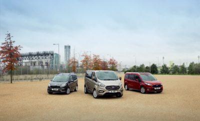 Ντεμπούτο για τη Νέα Οικογένεια Οχημάτων Μεταφοράς Προσωπικού Ford Tourneo στην Έκθεση των Βρυξελλών • Σε πλήρη παράταξη, η νέα οικογένεια οχημάτων μεταφοράς προσωπικού Ford Tourneo κάνει την πρώτη της δημόσια εμφάνιση στην Έκθεση Αυτοκινήτου των Βρυξελλών • Η ευέλικτη, νέα οικογένεια Tourneo περιλαμβάνει το πενταθέσιο Tourneo Courier, το Tourneo Connect σε πενταθέσιες & επταθέσιες εκδόσεις, και το κορυφαίο Tourneo Custom 8/9 θέσεων • Η νέα γκάμα Tourneo είναι αναβαθμισμένη στιλιστικά και διαθέτει προηγμένες τεχνολογίες και εξελιγμένους κινητήρες. Όλα τα μοντέλα θα διατίθενται για παράδοση μέχρι τα μέσα του 2018 Η πλήρως ανανεωμένη οικογένεια οχημάτων μεταφοράς προσωπικού Ford Tourneo, κάνει την πρώτη της δημόσια εμφάνιση στην Έκθεση Αυτοκινήτου των Βρυξελλών, με τρία ευέλικτα και ευρύχωρα νέα μοντέλα που διακρίνονται για το αναβαθμισμένο στυλ, τις προηγμένες τεχνολογίες εσωτερικού και τους εξελιγμένους κινητήρες, καθώς προορίζονται για Ευρωπαίους πελάτες. Στην κορυφή, το 8/9θέσιο Tourneo Custom διακρίνεται για την τολμηρή σχεδίαση του εμπρός τμήματος, ενώ η νέα premium καμπίνα του διαθέτει ένα μοναδικό στην κατηγορία σύστημα πίσω καθισμάτων, με έξι ανεξάρτητα καθίσματα που μπορούν να διαμορφωθούν σε συνεδριακή διάταξη. Το μεγαλύτερο μοντέλο μεταφοράς προσωπικού Tourneo είναι ήδη διαθέσιμο για παραγγελία από τους εμπόρους της Ford. Το Tourneo Connect, που κυκλοφορεί σε πενταθέσιες και επταθέσιες εκδόσεις, συνοδεύεται από αποδοτικούς νέους κινητήρες, όπως ο νέος 1.5-litre EcoBlue diesel με επιλογή οκτατάχυτου, αυτόματου κιβωτίου και ο καταξιωμένος, χιλιάρης EcoBoost βενζινοκινητήρας της Ford με τεχνολογία απενεργοποίησης κυλίνδρου. Οι μηχανικές εκδόσεις εφοδιάζονται στάνταρ με εξατάχυτα κιβώτια. Το κομψό εμπρός τμήμα πλαισιώνεται από αναβαθμισμένα υλικά ταπετσαριών / επενδύσεων εσωτερικού. Το συμπαγές, πενταθέσιο Tourneo Courier έρχεται με αναβαθμισμένους κινητήρες, στάνταρ εξατάχυτο κιβώτιο, τεχνολογία SYNC 3 και ανανεωμένη σχεδίαση εμπρός τμήματος. Τα νέα μοντέλα T