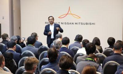 """Η Renault-Nissan-Mitsubishi εγκαινιάζει ένα ταμείο Venture Capital για να επενδύσει 1 δισεκατομμύριο δολάρια τα επόμενα πέντε χρόνια. Η Renault-Nissan-Mitsubishi, η κορυφαία συμμαχία αυτοκινητοβιομηχανιών σε παγκόσμιο επίπεδο, ανακοίνωσε σήμερα την έναρξη της Alliance Ventures, ενός νέου εταιρικού ταμείου κεφαλαίων επιχειρηματικών συμμετοχών (Venture Capital fund) που σχεδιάζει να επενδύσει μέχρι και 1 δισεκατομμύριο δολάρια, προκειμένου να στηρίξει την """"ανοιχτή καινοτομία"""" τα επόμενα πέντε χρόνια. Κατά το πρώτο έτος, το ταμείο αναμένεται να επενδύσει έως και 200 εκατομμύρια δολάρια σε νεοσύστατες επιχειρήσεις και """"ανοικτές"""" συμπράξεις καινοτομίας, με επιχειρηματίες τεχνολογίας που επικεντρώνονται στη νέα κινητικότητα, συμπεριλαμβανομένης της ηλεκτροκίνησης οχημάτων, των αυτόνομων συστημάτων, της συνδεσιμότητας και της τεχνητής νοημοσύνης. Με τις περαιτέρω ετήσιες επενδύσεις, η Alliance Ventures αναμένεται να καταστεί το μεγαλύτερο εταιρικό κεφάλαιο επιχειρηματικών κεφαλαίων στον κλάδο της αυτοκινητοβιομηχανίας κατά την περίοδο του Alliance 2022, του στρατηγικού μεσοπρόθεσμου προγράμματος που ξεκίνησε πέρυσι από την συμμαχία Renault-Nissan-Mitsubishi. Ο Carlos Ghosn, πρόεδρος και διευθύνων σύμβουλος της συμμαχίας Renault-Nissan-Mitsubishi, δήλωσε: """"Η πρόθεση μας για ανοιχτή προσέγγιση της καινοτομίας, θα μας επιτρέψει να επενδύσουμε και να συνεργαστούμε με νεοσύστατες εταιρείες και επιχειρηματίες τεχνολογίας που θα επωφεληθούν από την παγκόσμια κλίμακα της Συμμαχίας. Το νέο ταμείο αντικατοπτρίζει το πνεύμα συνεργασίας και επιχειρηματικότητας, όπως ακριβώς αυτό βρίσκεται στην καρδιά της Συμμαχίας"""". Το νέο ταμείο είναι μοναδικό διότι προσφέρει στους δυνητικούς εταίρους πρόσβαση σε παγκόσμια κλίμακα, στο πεδίο εφαρμογών της συμμαχίας Renault-Nissan-Mitsubishi, η οποία πούλησε περισσότερα από 10 εκατομμύρια οχήματα το 2017 μέσω 10 διαφορετικών εμπορικών σημάτων, με παρουσία σε όλες τις μεγάλες αγορές αυτοκινήτων. Η Alliance Ventures θα επενδύσει σε νεοσύστατες επιχειρήσ"""