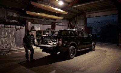 Αντέχεις το σκοτάδι; η Ford αποφάσισε να λανσάρει Ειδική Έκδοση του Ford Ranger στο Svalbard, μία από τις πιο σκοτεινές περιοχές του πλανήτη Ένα πολύ σκοτεινό σκηνικό με απόλυτα απαιτητικές και σκληρές συνθήκες επέλεξε η Ford για να λανσάρει την ολόμαυρη και σκληροτράχηλη Ειδική Έκδοση του Ford Ranger, Ευρωπαϊκού best-seller στην κατηγορία pickup. «Φέραμε το πλέον σκληροτράχηλο και κατάμαυρο όχημά μας σε μία από τις πιο απαιτητικές και σκοτεινές περιοχές της γης για την απόλυτη δοκιμή αντοχής. Οι κάτοικοι του Svalbard εξαρτώνται πλήρως από την αξιοπιστία, και το Ford Ranger Black Edition απέδειξε ότι την διέθετε ως ο καλύτερος βοηθός στις καθημερινές τους δραστηριότητες σε ένα πολύ σκληρό περιβάλλον» σχολιάζει ο Brand Content Manager της Ford για Utility Vehicles, Steve Fletcher. Η πλοκή της ταινίας μικρού μήκους περιστρέφεται γύρω από την καθημερινότητα τριών ανθρώπων που ζουν και εργάζονται στην βορειότερη πόλη του κόσμου, το Longyearbyen. Οι κάτοικοι έχουν 40 διαφορετικές εθνικότητες, ενώ ο αριθμός των πολικών αρκούδων είναι μεγαλύτερος από αυτόν των ανθρώπων. Σκοτάδι επί 110 ημέρες το χρόνο Για περισσότερες από 110 ημέρες, οι κάτοικοι ζουν, εργάζονται και οδηγούν στο απόλυτο σκοτάδι. Αυτό το μέρος δεν είναι για όλους – ούτε για όλους τους ανθρώπους αλλά ούτε και για όλα τα αυτοκίνητα. Η παραγωγή της ταινίας – που φέρει την υπογραφή της GTB και αποτελεί δημιουργία του βραβευμένου σκηνοθέτη Toby Dye – ανέλαβε η RSA Films London, μία εταιρία παραγωγής κινηματογραφικών και τηλεοπτικών διαφημίσεων που ανήκει στον διάσημο παραγωγό & σκηνοθέτη Ridley Scott. Ακολουθώντας τρεις κατοίκους στο σκοτάδι Στην ταινία παρακολουθούμε τρεις κατοίκους της περιοχής οι οποίοι χρησιμοποιούν το Ranger Black Edition στην καθημερινότητά τους. Ο πρώτος είναι ένας μαραγκός ο οποίος χτίζει σπίτια και αποθήκες. Από το σπίτι για να φτάσει στη δουλειά του, μπορεί να χρειαστεί από 10 λεπτά μέχρι μιάμιση ώρα οδήγηση, ανάλογα με τον καιρό και τον αέρα. Το δεύτερο μέλος της τριάδας είναι μία υπάλ