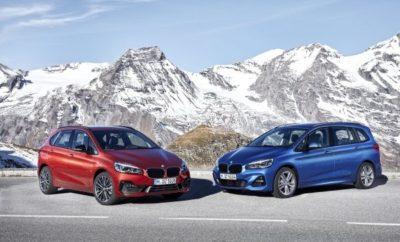 Οι ανανεωμένες BMW Σειρά 2 Active Tourer και BMW Σειρά 2 Gran Tourer θα κυκλοφορήσουν στην αγορά το Μάρτιο του 2018. Οι πωλήσεις του πρώτου Sports Activity Tourer (SAT) της BMW στην premium compact κατηγορία ξεπέρασαν τις 380.000 μονάδες το διάστημα μεταξύ 2014 και 2017. Τα δύο μοντέλα – τα οποία ξεχωρίζουν με τη λειτουργική χωροταξική φιλοσοφία τους – κατατάσσονται μεταξύ των bestseller της μάρκας. Μεγαλύτερη αγορά τους είναι η Γερμανία και ακολουθούν η Κίνα και η Μ. Βρετανία. Το ποσοστό κατάκτησης είναι υψηλό, πάνω από το 70% των πελατών είναι νέοι στη μάρκα BMW. Νέα εμφάνιση εμπρός τμήματος, με φαρδιά, μονοκόμματη εισαγωγή αέρα και πιο εντυπωσιακή μάσκα (με τη χαρακτηριστική μάσκα-νεφρά) υπογραμμίζουν τη σπορ και κομψή εμφάνιση του αυτοκινήτου. Η νέας σχεδίασης πίσω ποδιά με μεγαλύτερες απολήξεις εξαγωγής (διπλές για όλα τα τετρακύλινδρα μοντέλα), δίνουν έμφαση στο πλάτος του αυτοκινήτου. Εξαιρετικά δυναμική σχεδίαση για τα μοντέλα BMW Σειρά 2 Active Tourer και BMW Σειρά 2 Gran Tourer εξοπλισμένα με το νέο πακέτο M Sport. Δύο νέες εξωτερικές αποχρώσεις (Jucaro Beige και Sunset Orange) και έξι νέα σχέδια ζαντών αλουμινίου 17, 18 και 19-ιντσών αυξάνουν τις δυνατότητες εξατομίκευσης. Αποκλειστικά υλικά και νέα καλύμματα καθισμάτων σε ύφασμα / Sensatec και δέρμα χαρίζουν πρόσθετη φινέτσα στο εσωτερικό. Νέος ηλεκτρονικός επιλογέας σε μοντέλα με επτατάχυτο κιβώτιο διπλού συμπλέκτη Steptronic ή οκτατάχυτο Steptronic. Νέο σχέδιο για τους προαιρετικούς προβολείς LED και τους προσαρμοζόμενους προβολείς LED (Adaptive LED Headlights) με αντιθαμβωτική μεγάλη σκάλα φώτων. Οι γνώριμοι δίδυμοι στρογγυλοί προβολείς, εδώ σε εξαγωνικό σχήμα, δημιουργούν μία ακόμα προηγμένη και εντυπωσιακή εικόνα. Νέα είναι επίσης η σχεδίαση των προαιρετικών, εμπρός προβολέων ομίχλης LED. Η τελευταία γενιά κινητήρων βενζίνης και diesel με εκτενείς βελτιώσεις της απόδοσης, π.χ. στον στρόφαλο, τη διαχείριση θερμότητας, το σύστημα βαλβίδων και την υπερσυμπίεση. Οι κινητήρες της BMW Σειράς 2 Active Tour
