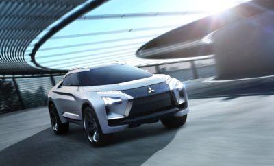 , model year 2019 Η Mitsubishi Motors Corporation (MMC) θα γιορτάσει δύο πρεμιέρες στην 88η Διεθνή Έκθεση Αυτοκινήτου της Γενεύης*1, 6 - 18 Μαρτίου, 2018: την Ευρωπαϊκή πρεμιέρα του MITSUBISHI e-EVOLUTION CONCEPT, και την παγκόσμια πρεμιέρα του νέου Outlander PHEV model year 2019, που θα παεουσιαστεί στην Ευρωπαϊκή αγορά στις αρχές του φθινοπώρου. Τόσο το νέο Outlander PHEV, όσο και το MITSUBISHI e-EVOLUTION CONCEPT ενσαρκώνουν την προηγμένη τεχνολογία και εκφραστική σχεδίαση MMC για το παρόν και το μέλλον. Επίσης εκφράζουν, το καθένα με το δικό του τρόπο, την προϊοντική στρατηγική της MMC στο πλαίσιο των φιλοδοξιών της μάρκας: ένα μελετημένο μίγμα τεχνογνωσίας SUV και τεχνολογίας ηλεκτροκίνησης με προηγμένες τεχνολογίες ενσωμάτωσης συστημάτων για μία εξελιγμένη οδηγική εμπειρία. *1…Le 88e Salon international de l'Automobile Genève, Ημέρες Τύπου 6 και 7 Μαρτίου και Ημέρες Κοινού 8 – 18 Μαρτίου. Η MMC θα δώσει συνέντευξη τύπου στις 10:45 am, 6 Μαρτίου, στο περίπτερό της, στο Hall 2.    Το MITSUBISHI e-EVOLUTION CONCEPT Το νέο Outlander PHEV Tο νέο Outlander PHEV Βασισμένη σε μία παράδοση 80 χρόνων στην τετρακίνηση, σε 50 χρόνια έρευνας (R&D) στην ηλεκτροκίνηση και σε 30 χρόνια ενασχόλησης με τεχνολογίες ελέγχου συστημάτων 4WD που της έχουν χαρίσει νίκες σε αγώνες ράλι, το 2013 η MMC παρουσίασε το Outlander PHEV plug-in hybrid electric Twin Motor SUV που εγκαινίασε μία νέα κατηγορία και την ανέδειξε σε πρωτοπόρο της αυτοκινητοβιομηχανίας. Από τότε, χάρη στη θετική απόκριση της αγοράς και τη συνεχή βελτίωση, το Outlander PHEV έχει μετατραπεί από ένα εξειδικευμένο όχημα για οραματιστές σε βασικό μοντέλο της MMC. Το Outlander PHEV ήταν Ευρωπαϊκό best-seller στην κατηγορία plug-in υβριδικών οχημάτων το 2015, 2016 και 2017*2. Πάνω από 100.000 μονάδες έχουν πουληθεί στην Ευρώπη μέχρι τώρα. Με αθροιστικές πωλήσεις πάνω από 140.000 μονάδες σε όλο τον κόσμο, το Outlander PHEV θεωρείται το παγκοσμίως δημοφιλέστερο plug-in υβριδικό SUV. Συνδυάζοντας τις καλύτερες τεχνολογίες της