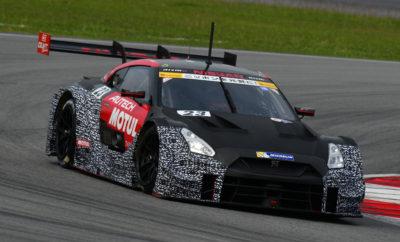 """Η Nissan ανακοινώνει το πλάνο της στον μηχανοκίνητο αθλητισμό για το 2018 Η Nissan / NISMO ανακοίνωσε πρόσφατα το παγκόσμιο πλάνο για το 2018, αναφορικά με τις ενέργειές της για τον μηχανοκίνητο αθλητισμό, εντός του οποίου περιλαμβάνεται το ντεμπούτο της στο αμιγώς ηλεκτροκίνητο πρωτάθλημα ABB FIA της Formula Ε, καθώς και αναβαθμισμένες συμμετοχές στο Ιαπωνικό Πρωτάθλημα του Super GT. Formula E Η Nissan θα είναι η πρώτη Ιαπωνική αυτοκινητοβιομηχανία που θα κάνει το ντεμπούτο της στο πρωτάθλημα της Formula E στην αρχή της πέμπτης σεζόν, στα τέλη του 2018. Η Nissan θα αποκαλύψει περισσότερα για την Formula E στο φετινό Σαλόνι Αυτοκινήτου της Γενεύης τον ερχόμενο Μάρτιο. Περισσότερες πληροφορίες σχετικά με τον οδηγό και την σύνθεση της ομάδας, θα είναι διαθέσιμες αργότερα εντός του έτους. Ξεκινώντας από την πέμπτη σεζόν, οι ομάδες θα συναγωνιστούν με ένα νέο συνδυασμό σασί / μπαταρίας και με νέους κινητήρες για να εξαλείψουν την ανάγκη αλλαγής αυτοκινήτων στην μέση του αγώνα, κάτι που γινόταν στους προγενέστερους αγώνες της Formula Ε. Η είσοδος της Nissan στην Formula E, ως παγκόσμια ηγέτιδας στην τεχνολογία των ηλεκτροκίνητων οχημάτων, γίνεται την κατάλληλη στιγμή, καθώς θα συμπέσει με τους νέους τεχνικούς κανονισμούς του πρωταθλήματος. Αποτελεί επίσης μια υψηλής απόδοσης έκφραση του Nissan Intelligent Mobility, του οράματος της εταιρείας για την αλλαγή του τρόπου με τον οποίο τα αυτοκίνητα τροφοδοτούνται, οδηγούνται και ενσωματώνονται στην κοινωνία. Η Nissan κατασκευάζει το πιο δημοφιλές ηλεκτρικό όχημα στον κόσμο, το Nissan LEAF, έχοντας ήδη λανσάρει μια νέα έκδοση του δημοφιλούς μοντέλου με τις μηδενικές εκπομπές ρύπων, από τον περασμένο Οκτώβριο. Κατηγορία SUPER GT GT500 Η Nissan """"ρίχνει"""" στην μάχη τέσσερα Nissan GT-R NISMO GT500, με στόχο να επανακτήσει τα πρωταθλήματα που κέρδισε το 2014 και το 2015. Η Nissan κέρδισε πέντε από τους οκτώ αγώνες το 2016 και έχασε τον τίτλο του 2017, για μόλις 2 βαθμούς. Ο Tsugio Matsuda και ο Ronnie Quintarelli, οι πρωταθλητές του"""