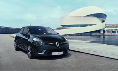 Το δημοφιλές Renault CLIO αποκτά μία νέα έκδοση που συνδυάζει ιδανικά τα πλεονεκτήματα του δημοφιλούς κινητήρα πετρελαίου 1.5 dCi 90 με το χαμηλό κόστος κτήσης και χρήσης. Το Renault CLIO αποτελεί ένα από τα δημοφιλέστερα μοντέλα της Ευρωπαϊκής, αλλά και της Ελληνικής αγοράς αυτοκινήτων. Με δυναμικό σχεδιασμό, πλούσιους χώρους για τους επιβάτες και τις αποσκευές, και δυναμικούς κινητήρες βενζίνης και diesel, αποτελεί μια απόλυτα ολοκληρωμένη πρόταση καλύπτοντας ένα μεγάλο εύρος αναγκών. Εφοδιασμένο με τον κινητήρα* diesel Energy 1.5 dCi 90, το Renault CLIO προσφέρει υψηλή απόδοση, που συνδυάζεται με την πολιτισμένη λειτουργία και τη χαμηλή κατανάλωση καυσίμου και ρύπων. Ο συγκεκριμένος κινητήρας είναι πλέον διαθέσιμος και με το βασικό επίπεδο εξοπλισμού, Authentic, δημιουργώντας ένα σύνολο που συνδυάζει τα πλεονεκτήματα του αποδοτικού κινητήρα με το χαμηλό κόστος αγοράς, αλλά και χρήσης. Σε κάθε περίπτωση, όπως και σε όλες τις εκδόσεις του CLIO, ο εξοπλισμός περιλαμβάνει όλα τα στοιχεία άνεσης και ασφάλειας που κανείς περιμένει από ένα σύγχρονο αυτοκίνητο που έχει βαθμολογηθεί με 5 αστέρια στις δοκιμές του EuroNCAP (ESP με Hill Start Assist, αερόσακους εμπρός, πλάγιους και οροφής, σύστημα πολυμέσων R&Go, κλιματισμό, κτλ.). Παράλληλα εφοδιασμένο με τον κινητήρα 1.5 dCi 90, το CLIO επιτυγχάνει μέση κατανάλωση 3,3 λίτρων/100χλμ. και 85 γρμ./χλμ. CO2 στοιχείο που εκτός των άλλων, το απαλλάσσει και από την καταβολή τελών κυκλοφορίας. Η τιμή της νέας έκδοσης CLIO 1.5 dCi 90 Authentic είναι 14.700€, ενώ όπως και στις υπόλοιπες εκδόσεις υπάρχει κάλυψη 5ετους εργοστασιακής εγγύησης. Ιδιαίτερα σημαντικό για τους εταιρικούς πελάτες είναι το γεγονός ότι ακόμη και με την προσθήκη μεταλλικού χρώματος, η βασική τιμή της έκδοσης διαμορφώνεται κάτω από τις 12.000€, επομένως, δεν υπόκειται σε φορολογία ο χρήστης του εταιρικού αυτοκινήτου. *Ο κινητήρας της Renault Energy 1.5 dCi αποτελεί ένα από τα πιο επιτυχημένα κινητήρια σύνολα της αυτοκινητοβιομηχανίας. Εκτός από τη Renault και τη