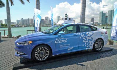 Παραμένοντας σταθερά στο τιμόνι της τεχνολογικής εξέλιξης και καινοτομίας, η Ford ταξιδεύει τώρα στο Μαϊάμι, προκειμένου να δοκιμάσει αυτόνομα οχήματα σε υπηρεσίες διανομών στους δρόμους της περιοχής. Ο Sherif Marakby, Αντιπρόεδρος της Ford στον τομέα αυτόνομων και ηλεκτρικών οχημάτων, αναλύει το όραμα της εταιρίας, τους στόχους της για το μέλλον των μεταφορών και την πάντα επίκαιρη ανθρωποκεντρική της προσέγγιση. Σύμμαχος στην προσπάθεια αυτή είναι ο Δήμαρχος του Miami-Dade, ενώ τα ευρήματα του πιλοτικού προγράμματος θα ενσωματωθούν στο αυτόνομο όχημα που θα λανσαριστεί το 2021 στο πλαίσιο της επέκτασης της επιχειρηματικής δραστηριότητας. Στις δοκιμές που θα διεξαχθούν στο Μαϊάμι, θα διερευνηθούν θέματα καθοριστικά για την εμπειρία των πελατών και το κατά πόσο είναι διατεθειμένοι να υποστηρίξουν υπηρεσίες μέσω αυτόνομων οχημάτων.