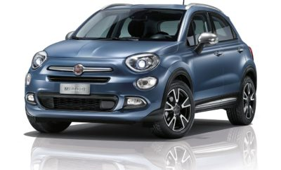 Η πολυαναμενόμενη άφιξη του Fiat 500Χ Mirror με την έντονη, περιπετειώδη προσωπικότητα και τον προηγμένο τεχνολογικό εξοπλισμό είναι πλέον γεγονός, και η Fiat ανατρέπει τους κανόνες της αγοράς, προσφέροντάς το όχι μόνο με τον πιο πλούσιο εξοπλισμό της κατηγορίας του, σε τιμή standard, αλλά και με 5 χρόνια εργοστασιακή εγγύηση και άτοκο χρηματοδοτικό πρόγραμμα μέσω της FCA Bank! Η νέα έκδοση Mirror φιλοδοξεί να αποτελέσει μια από τις καλύτερες value for money επιλογές της αγοράς, γι' αυτό και η τιμολογιακή πολιτική της Fiat στοχεύει στο να απολαύσει ο πελάτης τον πλουσιότερο εξοπλισμό της κατηγορίας στην standard έκδοση και, το κυριότερο, στην standard τιμή. Συγκεκριμένα, ο εξοπλισμός του Mirror 500X, που δίνει μεγάλη έμφαση τόσο στην ασφάλεια, όσο και στην τεχνολογία, συμπεριλαμβάνει: σύστημα U-Connect με έγχρωμη οθόνη αφής 7'', σύστημα πλοήγησης, κάμερα οπισθοπορείας, αισθητήρες παρκαρίσματος, εμπρόσθιους προβολείς με τεχνολογία Xenon, σύστημα προειδοποίησης σύγκρουσης και αυτόνομου φρεναρίσματος, σύστημα προειδοποίησης τυφλού σημείου, σύστημα προειδοποίησης αλλαγής λωρίδας, διζωνικό κλιματισμό, προσαρμοζόμενο Cruise Control, Bluetooth, Audio streaming, Live Services, 6 αερόσακους, ESP/MSR/ASR/Hill Holder/ERM, αλλά και παστέλ χρώμα χωρίς χρέωση. Πρόκειται για έναν κορυφαίο εξοπλισμό συνολικής αξίας 2.300€, ο οποίος διατίθεται χωρίς επιπλέον οικονομική επιβάρυνση. Έτσι, οι προτεινόμενες τιμές τιμοκαταλόγου διαμορφώνονται ως εξής: για τις εκδόσεις 1.4 Multiair 140hp MT Mirror και 1.6 MTJ 120hp Mirror, στα 21.200€, και για τις εκδόσεις 1.4 Multiair 140hp DCT Mirror και 1.6 MTJ 120hp DCT Mirror, στα 21.900€. Η έκδοση Mirror είναι εμπνευσμένη από τη φιλοσοφία και τη μακρά παράδοση που έχει η Fiat στη δημιουργία οχημάτων που απλοποιούν τη ζωή των οδηγών αλλά και των επιβατών, αξιοποιώντας λειτουργίες κορυφαίας τεχνολογίας και ασφάλειας, σε συνδυασμό με απαράμιλλο ιταλικό σχεδιασμό που καταφέρνει πάντα να κλέβει τις εντυπώσεις. Η «εξέλιξη» στην έκδοση Mirror είναι εμφανής