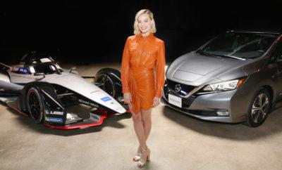 """Η Margot Robbie πρωταγωνιστεί στην εκδήλωση της Nissan Formula E, στο Los Angeles. Με μια ξεχωριστή εκδήλωση στο Los Angeles, η Nissan ολοκλήρωσε την περιοδεία της Formula E στο Λος Άντζελες, με την Margot Robbie, τη διάσημη ηθοποιό και πρέσβειρα των ηλεκτροκίνητων οχημάτων της εταιρείας, να πρωταγωνιστεί στην προβολή μιας συναρπαστικής εποχής για τη Nissan, καθώς εισέρχεται στο πρωτάθλημα της ABB FIA Formula E. Αρχής γενομένης από το Σαλόνι Αυτοκινήτου της Γενεύης και στη συνέχεια με την αποκάλυψη στο Σαλόνι Αυτοκινήτου της Νέας Υόρκης, η Nissan Formula E είχε ως τελευταίο """"σταθμό"""" της μια ξεχωριστή παρουσίαση, σε VIP καλεσμένους, στο Los Angeles. Κατά τη διάρκεια της εκδήλωσης, η Robbie βοήθησε στην αποκάλυψη του αυτοκινήτου, μιλώντας για την εμπειρία της από την """"συμβίωση"""" με ένα ηλεκτροκίνητο όχημα στην πόλη. Επίσης, μίλησε για την υπερηφάνεια που αισθάνεται ως πρέσβειρα των ηλεκτροκίνητων οχημάτων της Nissan. """"Έχω ήδη δει πολλές από τις πρωτοβουλίες της Nissan, οι οποίες έχουν σχεδιαστεί για να προσφέρουν καθαρότερο αέρα στους δρόμους και πιο δίκαιη πρόσβαση στην ενέργεια, σε ολόκληρο τον κόσμο. Και τώρα, έχουμε αυτό - ένα φανταστικό νέο αυτοκίνητο της Formula E"""", είπε. """"Είμαι ενθουσιασμένη που βλέπω πως η Nissan θα βοηθήσει στην περαιτέρω ανάπτυξη της ηλεκτροκίνησης, προσφέροντας νέες και συναρπαστικές τεχνολογίες στην κοινωνία και σε ολόκληρο τον κόσμο"""". Η είσοδος της Nissan στους ηλεκτροκίνητους αγώνες, συμπίπτει με την κυκλοφορία της νέας γενιάς αυτοκινήτου της Formula E, που χαρακτηρίζεται από την εντυπωσιακή, νέα αεροδυναμική, μια εξ ολοκλήρου νέα μπαταρία, καθώς και από ένα νέο σύνολο μετάδοσης της ισχύος. Η όλη σχεδίαση έγινε από την ομάδα Nissan Global Design στην Ιαπωνία. Η Nissan είναι η πρώτη Ιαπωνική μάρκα αυτοκινήτων που εισέρχεται στη Formula E. Η ενέργεια αυτή αποτελεί την πιο πρόσφατη έκφραση του Nissan Intelligent Mobility, του οράματος της εταιρείας για την αλλαγή του τρόπου με τον οποίο τα αυτοκίνητα οδηγούνται, τροφοδοτούνται και ενσωματώνο"""