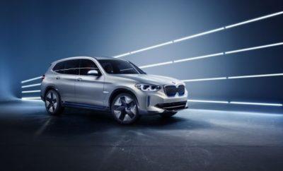 """Το BMW Group επιταχύνει τη στρατηγική εξηλεκτρισμού του, επεκτείνοντας τη γκάμα πλήρως ηλεκτρικών μοντέλων και στις μάρκες που αποτελούν τον πυρήνα της εταιρίας. Το BMW Concept iX3 – που παρουσιάστηκε για πρώτη φορά στη φετινή Έκθεση Αυτοκινήτου της Κίνας (Auto China 2018) στο Πεκίνο – προαναγγέλλει αυτή τη μελλοντική επέκταση. Το πρώτο πλήρως ηλεκτροκίνητο μοντέλο BMW θα είναι ολοκληρωμένο Sports Activity Vehicle (SAV) – με όλα τα διαπιστευτήρια λειτουργικότητας και άνεσης της κατηγορίας. Το BMW Concept iX3 υπογραμμίζει την απόφαση του BMW Group να ενισχύσει την πρωτοκαθεδρία του στον τομέα της ηλεκτροκίνησης. Η επέκταση μοντέλων μηδενικών ρύπων της εταιρίας αποτελεί σημαντική προτεραιότητα για τους τομείς Αυτοματοποιημένης Οδήγησης, Συνδεσιμότητας, Ηλεκτρικών/Plug-in Υβριδικών Μοντέλων και Υπηρεσιών [Automated, Connected, Electrified and Services (ACES)], μέσω των οποίων η εταιρία προωθεί τη μεταμόρφωση της μετακίνησης στο πλαίσιο της στρατηγικής NUMBER ONE > NEXT. Η επέκταση οχημάτων με μηδενικούς εκπεμπόμενους ρύπους είναι από τις πρωταρχικές δραστηριότητες της εταιρίας, μαζί με την αυτοματοποιημένη οδήγηση, την προηγμένη συνδεσιμότητα και τις νέες ψηφιακές υπηρεσίες που θα οδηγήσουν τη μεταμόρφωση της βιομηχανίας μέσω της στρατηγικής NUMBER ONE> NEXT. Υπό τον γενικό όρο """"iNext"""" και με την υποστήριξη ολόκληρου του BMW Group, δημιουργείται τώρα το μελλοντικό προϊοντικό και τεχνολογικό πακέτο στο οποίο το BMW Concept iX3 παίζει πρωταγωνιστικό ρόλο. Ανάμεσα στις καινοτομίες που αναδεικνύονται μέσω του BMW Concept iX3 είναι η πέμπτη γενιά της τεχνολογίας BMW eDrive. Κύριο πλεονέκτημα αυτής της τεχνολογίας ηλεκτροκίνησης είναι ότι ο ηλεκτροκινητήρας, το κιβώτιο και τα ηλεκτρονικά ισχύος βρίσκονται σε μία νέα, ανεξάρτητη μονάδα ηλεκτροκίνησης. Επιπλέον, το σύστημα περιλαμβάνει νέες και ισχυρότερες μπαταρίες. Αυτό το φρέσκο τεχνολογικό πακέτο θα βελτιώσει σημαντικά τα χαρακτηριστικά επιδόσεων, τη λειτουργική αυτονομία, το βάρος, τη χωροταξία και την ευελιξία – και θα κ"""