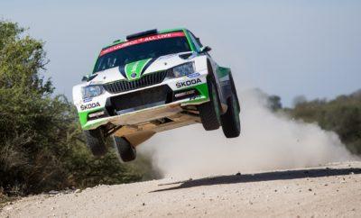 Νίκη για τη SKODA Fabia R5 στη WRC 2 του Ράλλυ Αργεντινής • Η SKODA Fabia R5 των Τίντεμαν / Άντερσσον στην 1η θέση στη WRC 2 και στη 10η θέση γενικής στο Ράλλυ Αργεντινής • Οι Ροβάνπερα / Χάλτουνεν είχαν επίσης εξαιρετική παρουσία και ήταν στην πρωτοπορία της WRC 2 πριν εγκαταλείψουν από εντυπωσιακή έξοδο με πολλά χιλιόμετρα • Η SKODA συνεχίζει να κυριαρχεί στην κατηγορία WRC 2 έχοντας κατακτήσει τα τέσσερα από τα πέντε ράλλυ που έχουν πραγματοποιηθεί μέχρι τώρα • Μετά τους πρώτους πέντε αγώνες της χρονιάς, δύο οδηγοί της SKODA Motorsport προηγούνται στο πρωτάθλημα οδηγών της WRC 2 Μία SKODA Fabia R5, με πλήρωμα τους Σουηδούς Πόντους Τίντεμαντ / Γιόνας Άντερσσον (Pontus Tidemand / Jonas Andersson), όπως και πέρσι, τερμάτισε πρώτη στην κατηγορία WRC 2 του Ράλλυ Αργεντινής. Με τη 10η συνολικά νίκη του στη WRC 2, ο πολυνίκης του θεσμού πέρασε πλέον στην πρώτη θέση της βαθμολογίας και μπροστά από τον ομόσταβλό του Γιαν Κοπέτσκυ, ο οποίος δεν αγωνίστηκε στην Αργεντινή. Τα δύο εργοστασιακά πληρώματα της SKODA, οι Τίντεμαντ / Άντερσσον και Ροβάνπερα / Χάλτουνεν ήταν τα κυρίαρχα του αγώνα. Μάλιστα, ο 17χρονος Ροβάνπερα ήταν στην πρώτη θέση της WRC 2 μέχρι και την προτελευταία ειδική διαδρομή, όταν βγήκε από τον δρόμο με πολλά χιλιόμετρα στο κοντέρ. Χάρη στο πακέτο ασφαλείας της SKODA Fabia R5 το πλήρωμα δεν έπαθε απολύτως τίποτα, αλλά το αυτοκίνητο δεν ήταν σε θέση να συνεχίσει τον αγώνα. Οι νεαροί Νορβηγοί Όλε Κρίστιαν Βέιμπι / Στιγκ Ρούνε Σκιάρμοεν (Ole Christian Veiby / Stig Rune Skjærmoen), οι άλλοι δύο junior οδηγοί της SKODA, έκαναν μια καταπληκτική εμφάνιση και τερμάτισαν στη 2η θέση της κατηγορίας RC2. Το νούμερο του ράλλυ: 18 Και στις 18 ειδικές του Ράλλυ Αργεντινής τον ταχύτερο χρόνο σημείωσαν τα SKODA Fabia R5! Οι αγώνες που έπονται στο 2018 FIA World Rally Championship (WRC 2) Πορτογαλία: 17/05/–20/05/2018 Ιταλία: 07/06/–10/06/2018 Φινλανδία: 26/07/–29/07/2018 Γερμανία: 16/08/–19/08/2018 Τουρκία: 13/09/–16/09/2018 Μεγάλη Βρεταννία: 04/10/–07/10/2018 Ισπανία: 25/