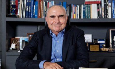 To Διοικητικό Συμβούλιο και οι εργαζόμενοι της Autohellas εκφράζουμε τη βαθύτατη θλίψη μας για την απώλεια του Προέδρου της εταιρίας μας, Θεόδωρου Βασιλάκη, ο οποίος έφυγε από τη ζωή την Πέμπτη 17 Μαΐου 2018, σε ηλικία 78 ετών. Η Autohellas αποτέλεσε για εκείνον το πρώτο του σημαντικό επιχειρηματικό βήμα αλλά κυρίως τη στέρεα βάση μια μακράς πορείας που του επέτρεψε να αναπτύξει τον σημερινό Όμιλο Θ. Βασιλάκη. Η εξόδιος ακολουθία θα τελεστεί το Σάββατο, 19 Μαΐου 2018 στις 12:30, στον Ιερό Ναό Μεταμορφώσεως Σωτήρος στην Κηφισιά. Η οικογένεια αντί στεφάνων παρακαλεί να γίνουν δωρεές για το Παιδικό Χωριό SOS Κρήτης: ALPHA BANK IBAN: GR03 0140 1010 1010 0210 1161 787