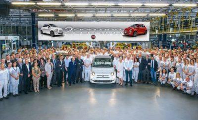 """Το Fiat 500 υπ' αριθμόν 2.000.000 βγήκε από τη γραμμή παραγωγής. • Το Fiat 500 υπ'αριθμόν 2.000.000 κατασκευάστηκε στο εργοστάσιο Tychy της Πολωνίας χθες. • Το θρυλικό Fiat πωλείται σε περισσότερες από 100 χώρες ανά τον κόσμο και το 80% των πωλήσεων είναι εκτός Ιταλίας, καθιστώντας το, το πιο """"παγκόσμιο"""" μοντέλο Fiat. • Το 500 είναι ηγέτης της αγοράς, σε εννέα ευρωπαϊκές χώρες και βρίσκεται στις τρεις πρώτες θέσεις, σε επτά ακόμη. Στο ενδέκατο έτος του και με σχεδόν 60.000 μονάδες που πωλήθηκαν στην Ευρώπη, κατά το πρώτο τρίμηνο του 2018, το Fiat 500 μόλις σημείωσε το καλύτερο του τρίμηνο. Το Fiat 500 υπ'αριθμόν 2.000.000 κατασκευάστηκε στο εργοστάσιο Tychy της Πολωνίας χθες. Είναι ένα Fiat 500C Collezione, με αποκλειστική δίχρωμη, λευκή και γκρι εμφάνιση Primavera που τροφοδοτείται από τον """"αεράτο"""" κινητήρα TwinAir Turbo 85 HP. Θα πωληθεί στην Ιταλία. Η νέα ειδική σειρά αναδεικνύει το διαχρονικό ύφος και το σχεδιασμό των 500, τη μοναδική γοητεία και το μοντέρνο χαρακτήρα τους, με νέους συνδυασμούς χρωμάτων και υλικών και ένα φρέσκο, κομψό ύφος. Έρχονται με συναρπαστικό βασικό εξοπλισμό, όπως ζάντες 16 ιντσών, επιχρωμιωμένες λεπτομέρειες, μια γκρι/λευκή γραμμή να """"αγκαλιάζει"""" το αυτοκίνητο και το διακριτικό σήμα """"Collezione"""" στην πίσω πόρτα. Η παραγωγή του δύο-εκατομμυριοστού αυτοκινήτου είναι ένα ακόμα ορόσημο περηφάνιας για την εταιρία, σε μια ιστορία με τόσες πολλές επιτυχίες. Το θρυλικό μικρό Fiat πωλείται σε περισσότερες από 100 χώρες παγκοσμίως. Πάνω από το 80% των πωλήσεων γίνονται εκτός Ιταλίας και για πέντε χρόνια ήταν το μπέστ σέλερ στην Ευρώπη στην κατηγορία του*, με μερίδιο αγοράς 14,6% στο τέλος του 2017. Επιπλέον, στο ενδέκατο έτος πωλήθηκαν περίπου 60.000 μονάδες στην Ευρώπη κατά τη διάρκεια του τρίτου τριμήνου του 2018 - ρεκόρ όλων των εποχών για τα σημερινά 500. Και πάλι, κατά το πρώτο τρίμηνο του 2018, το 500 ήταν ο ηγέτης της αγοράς σε εννέα χώρες (Ηνωμένο Βασίλειο, Ισπανία, Βέλγιο, Ελβετία, , Κροατία και Σλοβενία) και βρισκόταν στις πρώτες τρεις """