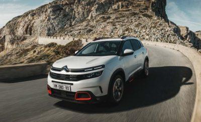 Η επιθετική πολιτική της Citroën στην κατηγορία των SUV, συνεχίζεται και μάλιστα με μεγαλύτερη ένταση από ποτέ. Μετά τη μεγάλη επιτυχία του C3 Aircross που έχει ήδη ξεπεράσει τις 80.000 πωλήσεις, η Citroën κάνει μια ακόμα προσθήκη στην ιδιαιτέρως ενδιαφέρουσα γκάμα των SUV της. Το νέο SUV C5 Aircross είναι η νέα ναυαρχίδα της Citroën. Το SUV νέας γενιάς που εμπνέεται πρωτίστως από τις προσδοκίες των πελατών, διαθέτει μια μοναδική και δυναμική προσωπικότητα, καθώς και μια ολοκαίνουργια διάθεση προσαρμογής στις εκάστοτε ανάγκες. Οι προτάσεις εξατομίκευσης που αφορούν την εξωτερική εμφάνιση είναι 30 και κάνουν τον κορυφαίο πρεσβευτή του προγράμματος Citroën Advanced Comfort®, το νέο SUV C5 Aircross, το πιο άνετο και ολοκληρωμένο μοντέλο της κατηγορίας του. Η καινοτόμα ανάρτηση με τα Progressive Hydraulic Cushions® και τα καθίσματα Advanced Comfort, κάνουν τις διαδρομές, μια νέα και ιδιαίτερα χαλαρωτική εμπειρία. Οι δυνατότητες προσαρμογής της καμπίνας στις εκάστοτε ανάγκες είναι ασύγκριτες. Για τους πίσω επιβάτες, υπάρχουν τρία ξεχωριστά καθίσματα που στο κάθε ένα από αυτά ρυθμίζεται η κλίση της πλάτης αλλά και η απόσταση από τα μπροστινά, διαμορφώνοντας έτσι το χώρο αποσκευών από 580 έως 720 λίτρα. Το νέο SUV C5 Aircross, είναι μοντέρνο και διέπεται από τη χρήση της υψηλής τεχνολογίας σε κάθε του διάσταση. Στον εξοπλισμό του συναντάμε 20 συστήματα υποβοήθησης για τον οδηγό, συμπεριλαμβανομένου του Highway Driver Assist, ενός συστήματος αυτόνομης οδήγησης (επιπέδου 2) και του Grip Control με Hill Assist Descent, για τη διευκόλυνση της περιπέτειας όταν η διαδρομή γίνεται πιο απαιτητική. Εκτός των παραπάνω, το νέο SUV C5 Aircross, εφοδιάζεται με 6 τεχνολογίες συνδεσιμότητας, στις οποίες συμπεριλαμβάνεται και η ασύρματη φόρτιση των smartphones. Η γραμμή παραγωγής του νέου SUV C5 Aircross είναι στο εργοστάσιο Rennes - La Janais. Το επίσημο ντεμπούτο του αυτοκινήτου θα γίνει προς τα τέλη του 2018 στις Ευρωπαϊκές αγορές, ενώ το SUV C5 Aircross θα είναι το πρώτο αυτοκίνητο τη