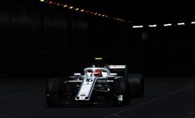 """H Alfa Romeo Sauber F1 Team οδεύει προς τον Καναδά. Το Μόντρεαλ που φιλοξενεί τον 7ο αγώνα του φετινού πρωταθλήματος 2018 FIA Formula 1, είναι μια πόλη με παλμό. Ο αγώνας διεξάγεται στην περίφημη πίστα Gilles Villeneuve. Η διαδρομή χαρακτηρίζεται από μεγάλες ευθείες και ενδιαφέροντες συνδυασμούς στροφών. Η ομάδα προσεγγίζει το Σαββατοκύριακο με αισιοδοξία μετά τις ανταγωνιστικές εμφανίσεις και των δυο οδηγών στα προηγούμενα Grand Prix. Περιμένουμε η C37 να είναι ανταγωνιστική καθώς τα χαρακτηριστικά της πίστας ταιριάζουν με τα δυνατά σημεία του μονοθεσίου μας. Marcus Ericsson (μονοθέσιο Νο 9): """"Ανυπομονώ να επιστρέψω στο Μόντρεαλ Το Σαββατοκύριακο του αγώνα είναι πάντοτε διασκεδαστικό. Είναι μια σπουδαία πίστα με μεγάλες ευθείες και σημεία βίαιου φρεναρίσματος που την καθιστούν πραγματικά ενδιαφέρουσα στην οδήγηση. Υπάρχουν μερικά τεχνικά σημεία αλλά και ο διάσημος ΄τοίχος των πρωταθλητών΄ που συνιστά μια ακόμη πρόκληση. Φτάνουμε σ' αυτό το Σαββατοκύριακο έχοντας πίσω μας μερικές δυνατές εμφανίσεις στους προηγούμενους αγώνες. Για μας είναι ενδιαφέρον να δούμε που βρισκόμαστε, σε μια πίστα τέτοιου είδους. Νομίζω ότι θα έχουμε μερικές καλές ευκαιρίες να αναμιχθούμε στις ψηλότερες θέσεις της κατάταξης. Ανυπομονώ να ξεκινήσει το Σαββατοκύριακο."""" Charles Leclerc (μονοθέσιο Νο 16): """"Πραγματικά ανυπομονώ να πάω στον Καναδά. Η πίστα Gilles Villeneuve στο Μόντρεαλ είναι μια διαδρομή που δεν έχω αντιμετωπίσει ξανά. Την έχω οδηγήσει σε προσομοιωτή και το απόλαυσα ιδιαίτερα οπότε θα είναι σπουδαία εμπειρία να το ζήσω για πρώτη φορά. Έχουμε δει τη δυναμική μας τα προηγούμενα Σαββατοκύριακα και η χάραξη αυτής της πίστας πρέπει να μας επιτρέψει να είμαστε ανταγωνιστικοί. Θα είναι ένα ενδιαφέρον Σαββατοκύριακο."""" Δεδομένα πίστας: Η διαδρομή Gilles Villeneuve στο νησάκι της Παναγίας είναι συνδυασμός δημόσιων δρόμων και πίστας αγώνων. Υπάρχουν μεγάλες ευθείες και πέντε συνδυασμοί στροφών με σικέιν και πέταλα τα οποία χαρακτηρίζουν τη διαδρομή. Όσον αφορά στο σετάρισμα επικεντρώνουμε τ"""
