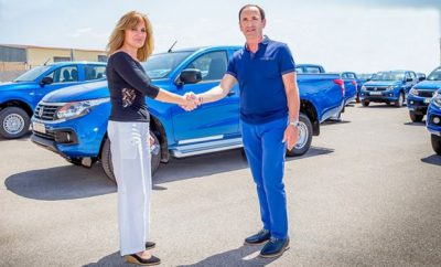Με 77 διπλοκάμπινα Fiat Fullback Pick-Up 4x4, ενίσχυσε πρόσφατα τον στόλο της, η Δημόσια Επιχείρηση Ηλεκτρισμού. Στις 7 Ιουνίου πραγματοποιήθηκε η τελετή παράδοσης 77 ολοκαίνουργιων Fiat Fullback από τον επίσημο διανομέα Fiat Professional Σφακιανάκης ΑΕΒΕ παρουσία και υψηλόβαθμων στελεχών της Εισαγωγικής εταιρίας Fiat Chrysler Automobiles Greece SA. Η αγορά από τη ΔΕΗ έγινε με σκοπό την άμεση ενίσχυση του υποστηρικτικού έργου των ηλεκτροπαραγωγών μονάδων της Δημόσιας Επιχείρησης Ηλεκτρισμού ανά την Ελλάδα. Ο κος Γιώργος Μπακόπουλος, Πρόεδρος & Διευθύνων Σύμβουλος της FCA Greece δήλωσε: «Αποτελεί ιδιαίτερη τιμή για την Fiat Professional, η επιλογή της ΔΕΗ, να εμπλουτίσει το εξαιρετικά απαιτητικό και υπό αντίξοες πολλές φορές συνθήκες μεταφορικό/υποστηρικτικό της έργο, με τα ολοκαίνουργια Pick-Up Fullback. Είμαστε βέβαιοι ότι τα οχήματα αυτά με το κορυφαίο στην κατηγορία σύστημα 4-κίνησης, το εξαιρετικά χαμηλό κόστος χρήσης και την απαράμιλλη ανθεκτικότητα, θα αποτελέσουν πολύτιμους συνεργάτες του εξειδικευμένου προσωπικού του Οργανισμού»
